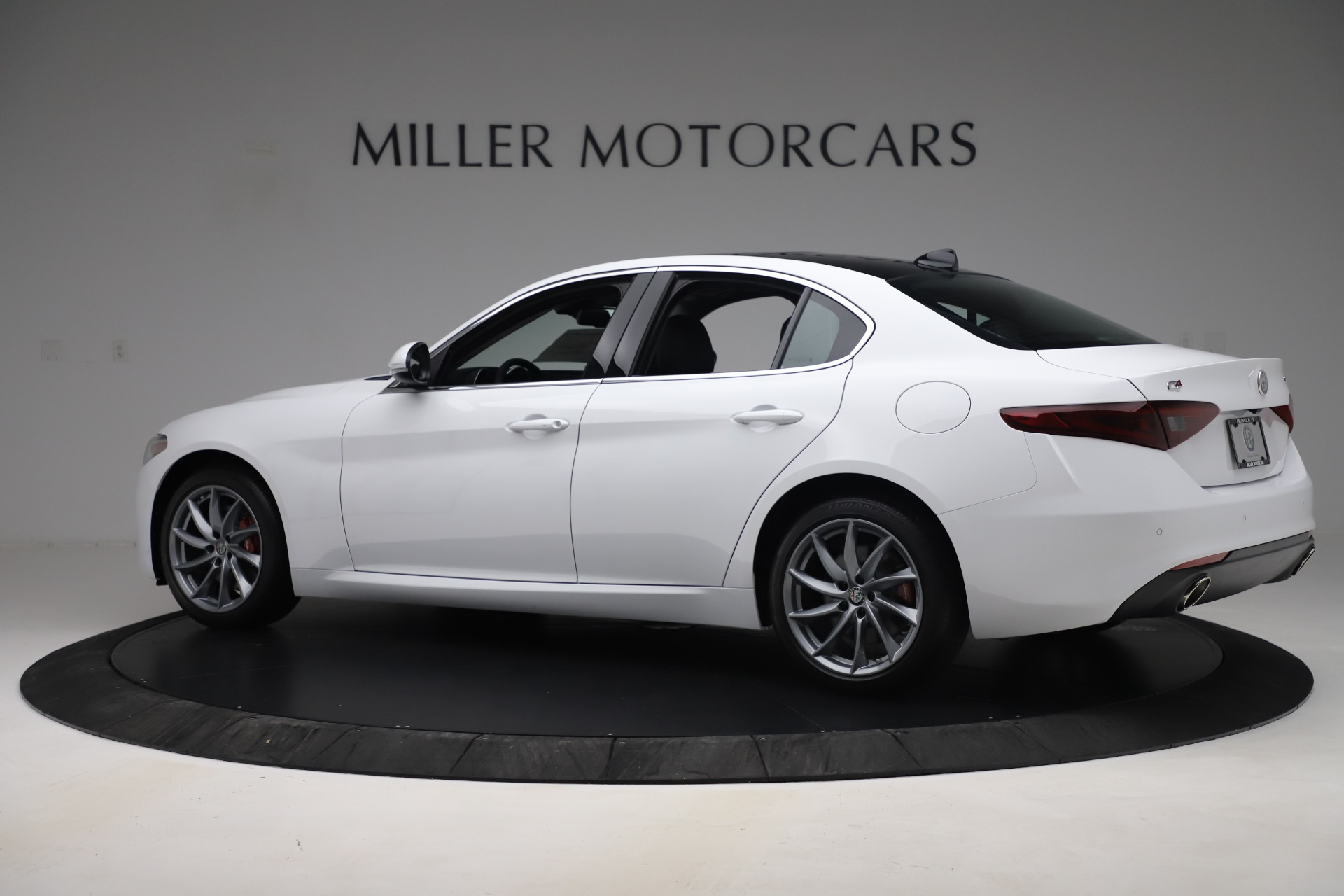 New 2019 Alfa Romeo Giulia Q4 For Sale In Greenwich, CT 3278_p4