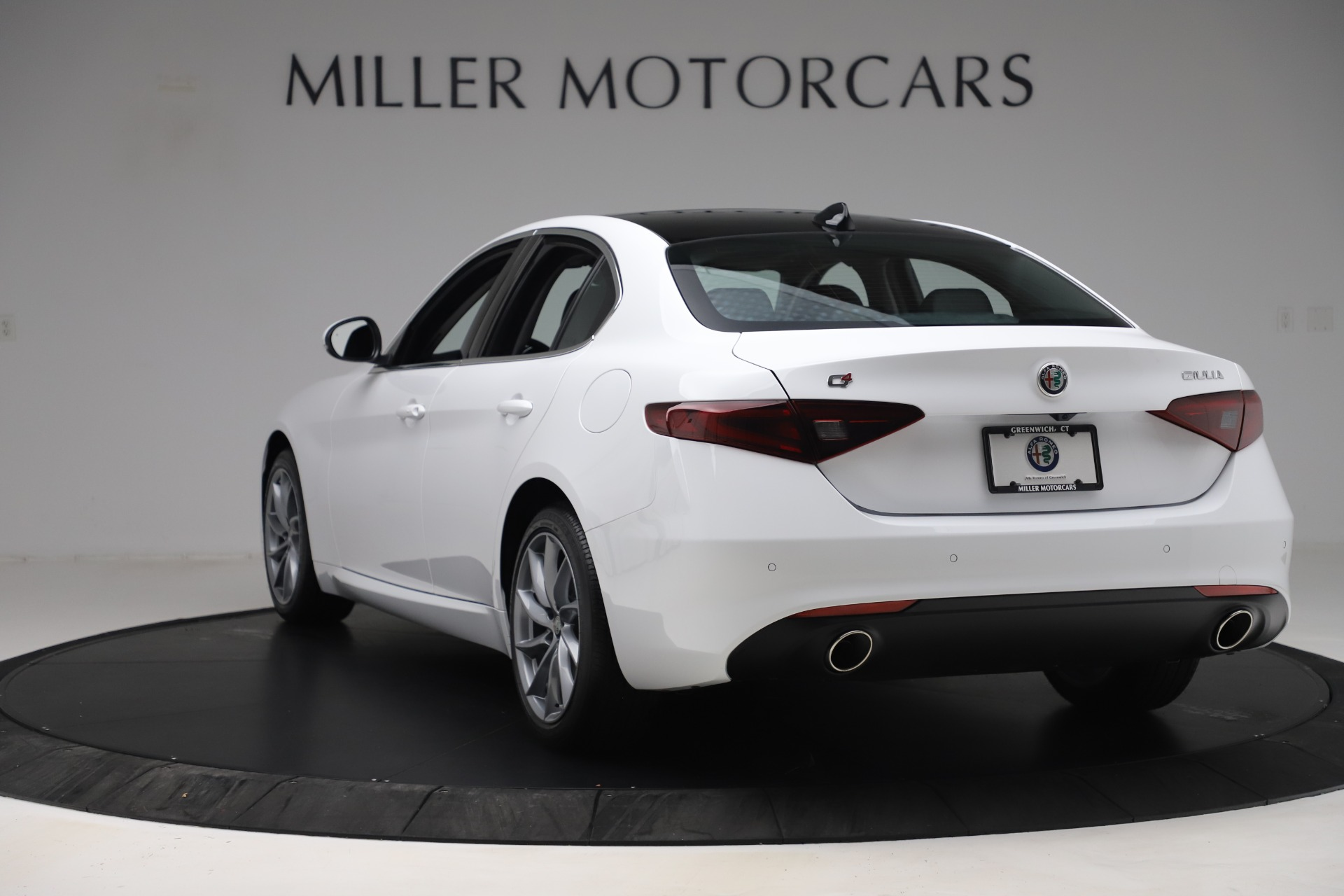New 2019 Alfa Romeo Giulia Q4 For Sale In Greenwich, CT 3278_p5