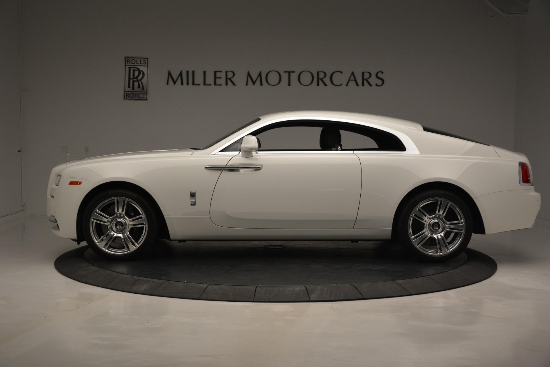 Used 2016 Rolls-Royce Wraith  For Sale In Greenwich, CT 3294_p3