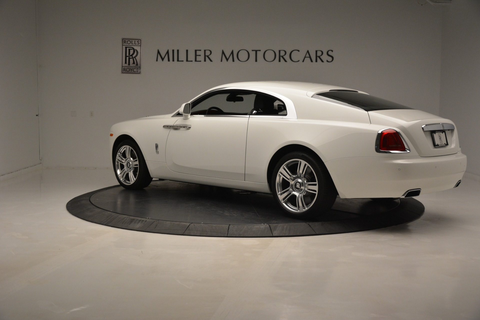 Used 2016 Rolls-Royce Wraith  For Sale In Greenwich, CT 3294_p4