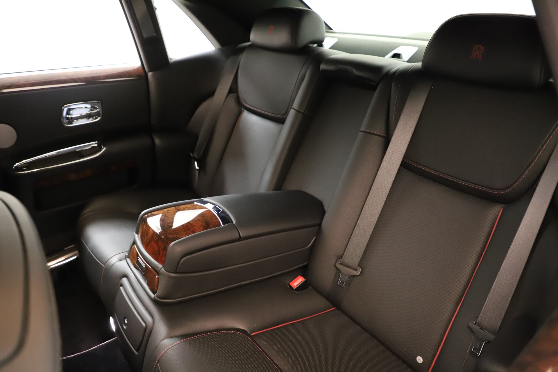 Used 2016 Rolls-Royce Ghost  For Sale In Greenwich, CT 3298_p19