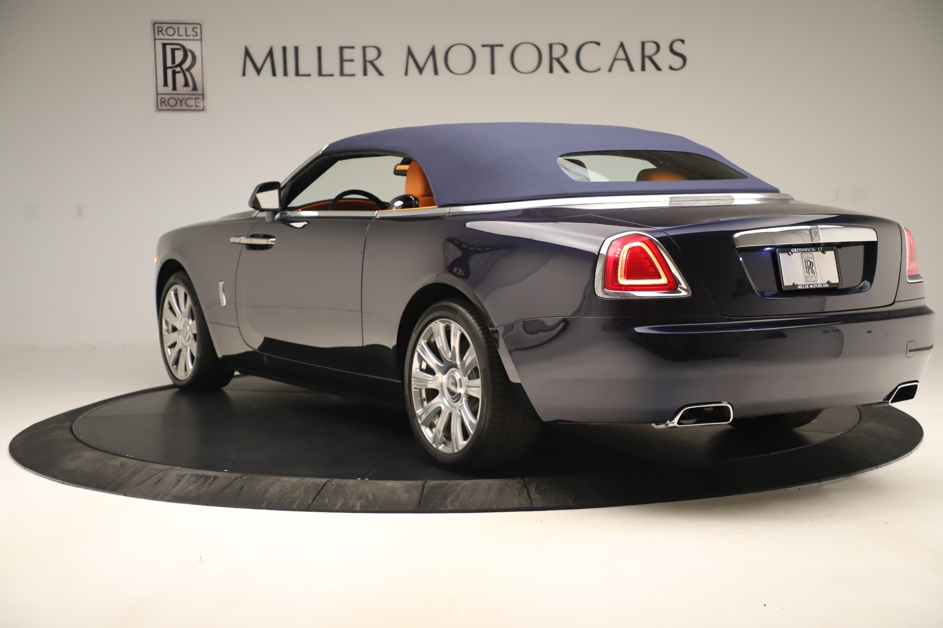 Used 2016 Rolls-Royce Dawn  For Sale In Greenwich, CT 3299_p11
