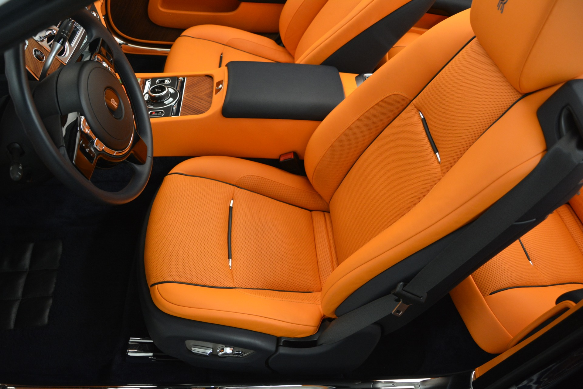 Used 2016 Rolls-Royce Dawn  For Sale In Greenwich, CT 3299_p31