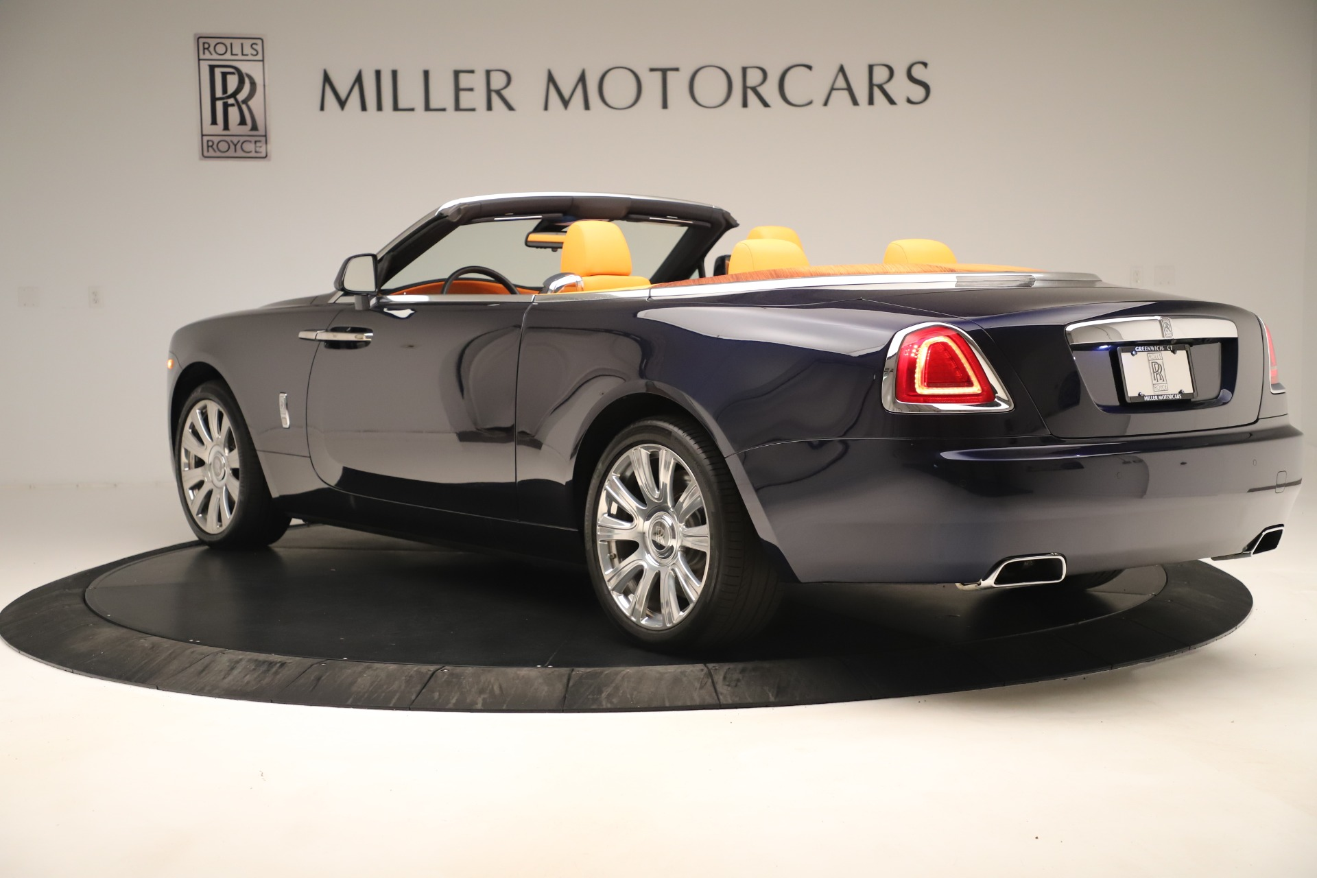 Used 2016 Rolls-Royce Dawn  For Sale In Greenwich, CT 3299_p4