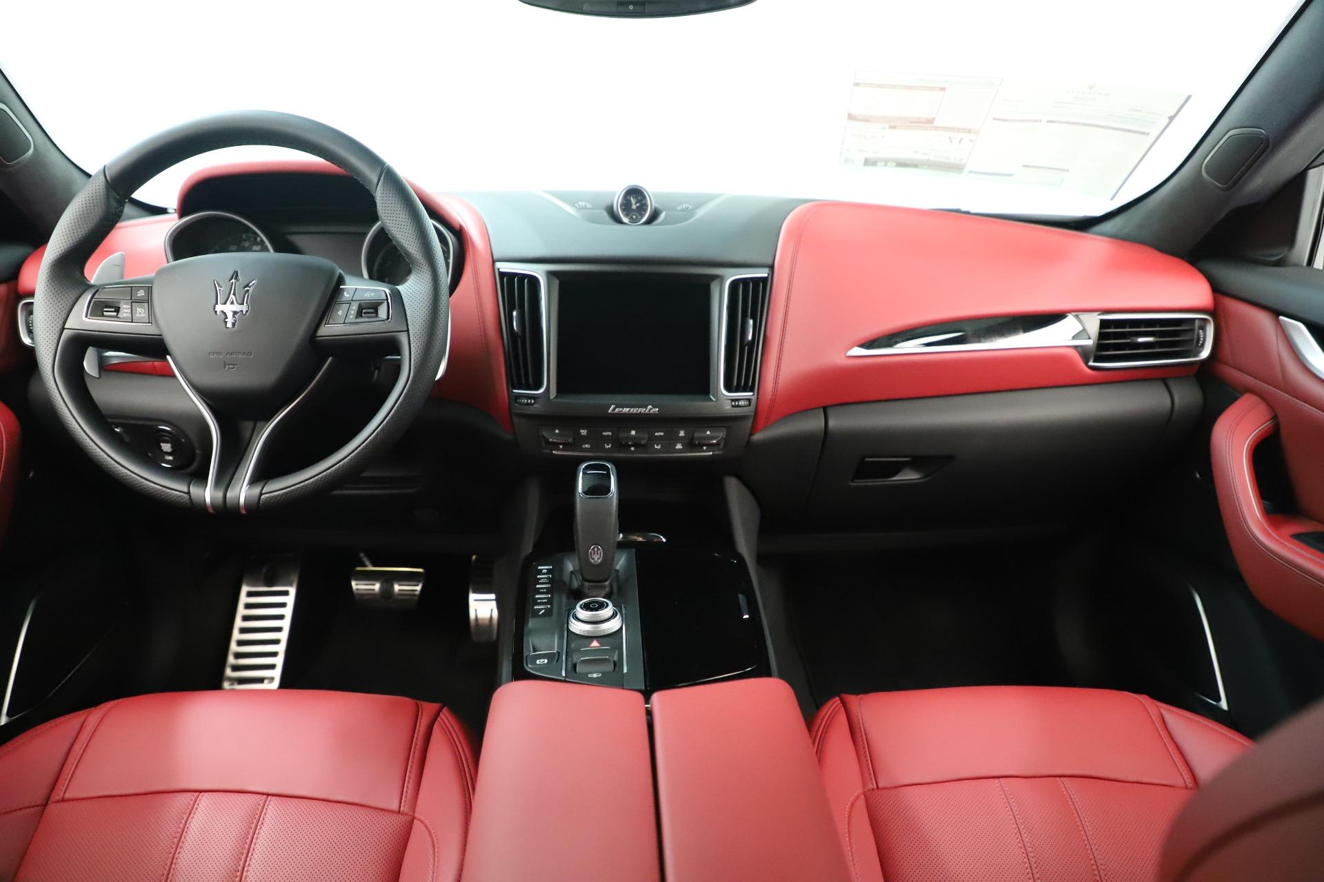 New 2019 Maserati Levante Q4 GranSport Nerissimo For Sale In Greenwich, CT 3300_p16
