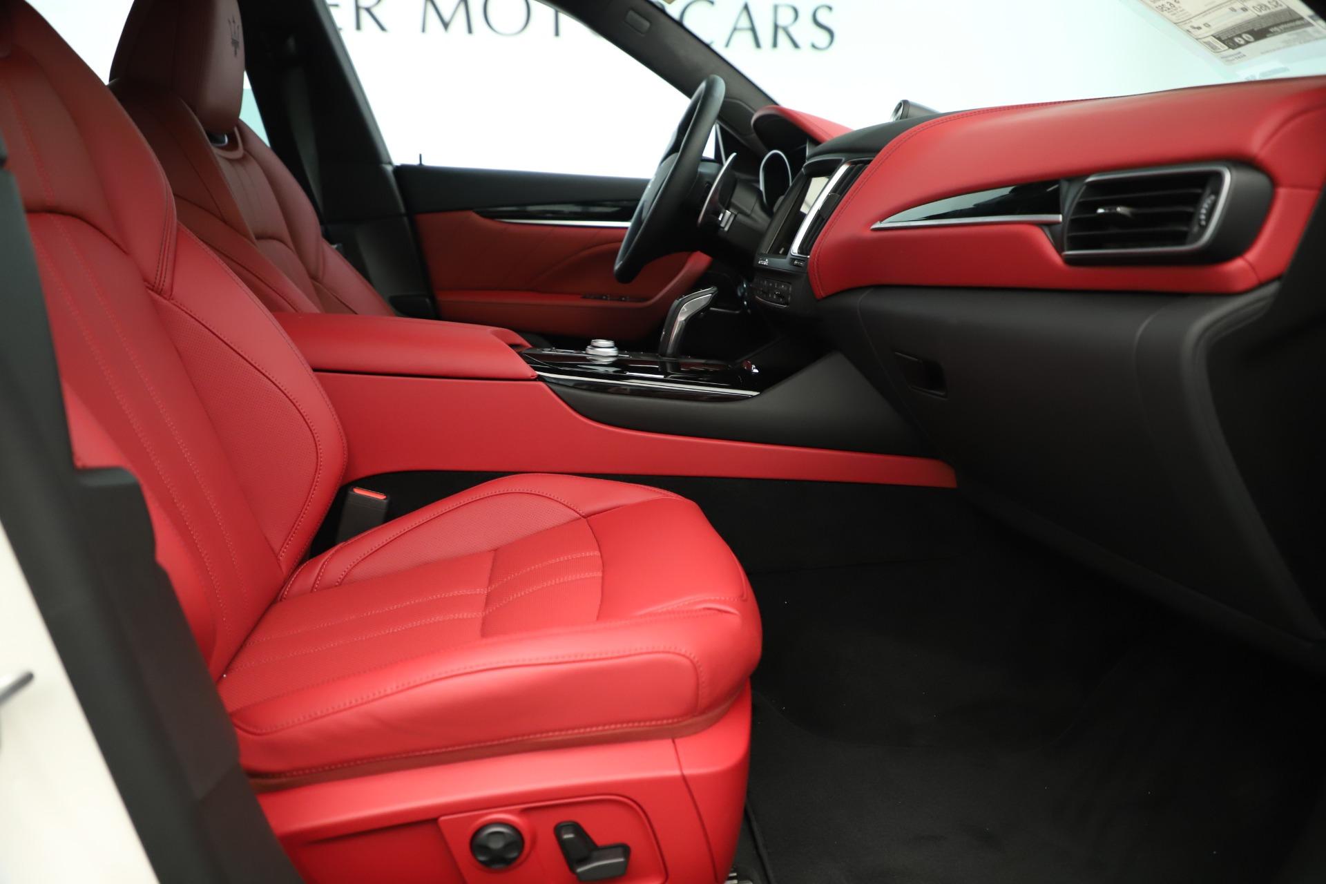 New 2019 Maserati Levante Q4 GranSport Nerissimo For Sale In Greenwich, CT 3300_p23