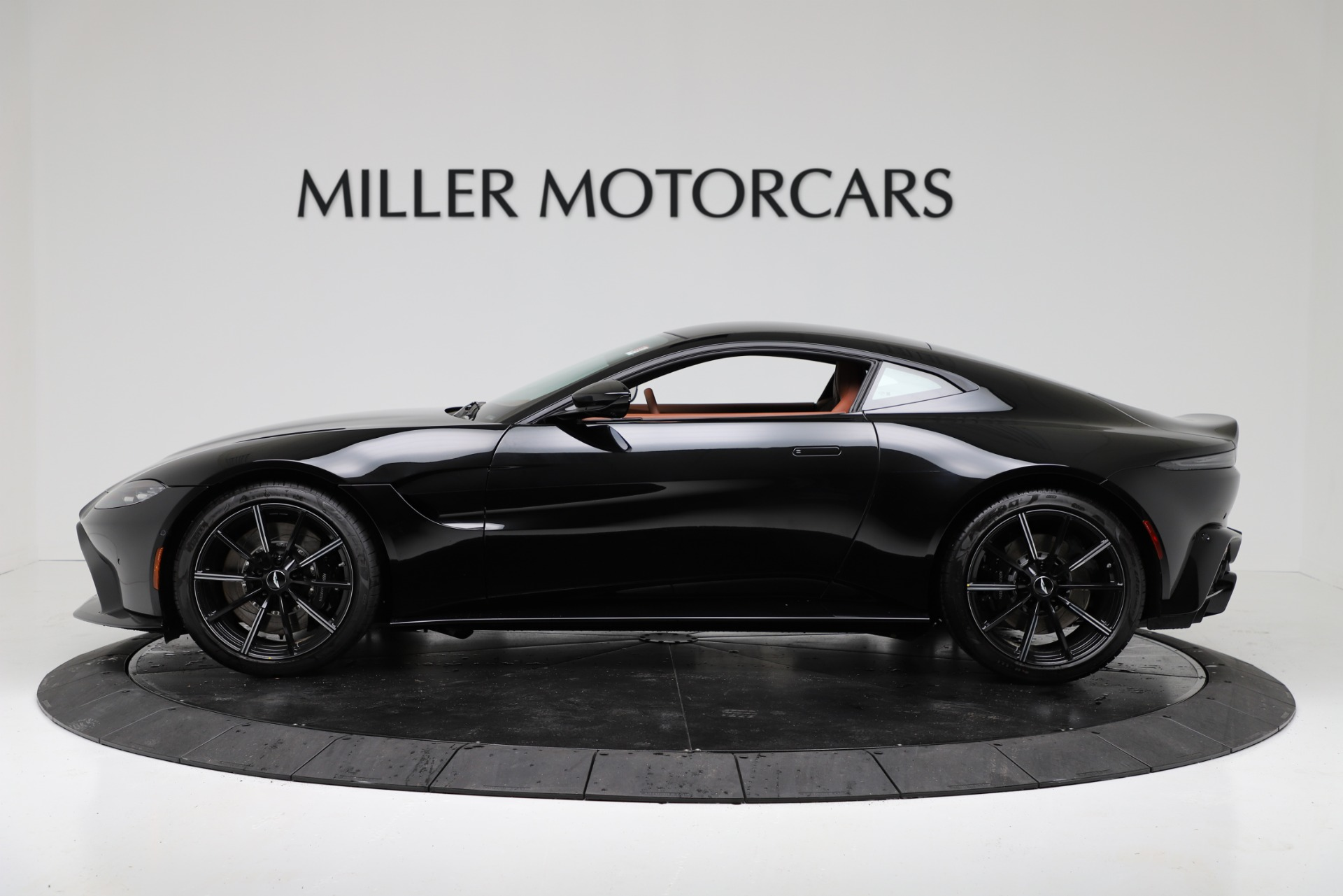 New 2020 Aston Martin Vantage Coupe For Sale In Greenwich, CT 3317_p3