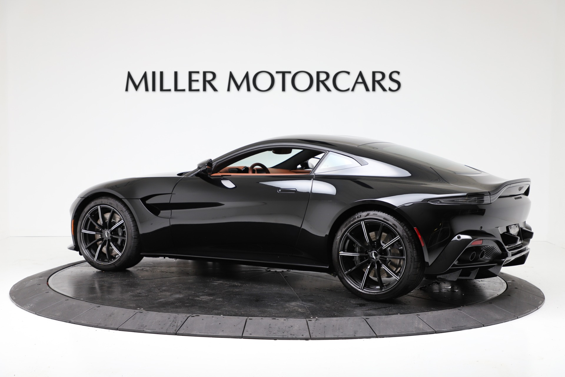 New 2020 Aston Martin Vantage Coupe For Sale In Greenwich, CT 3317_p4