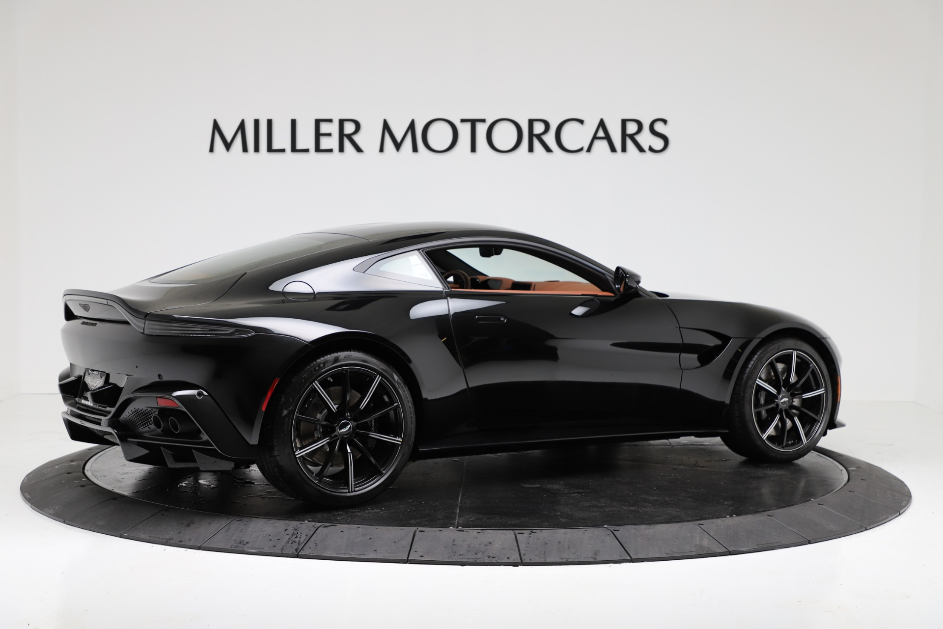New 2020 Aston Martin Vantage Coupe For Sale In Greenwich, CT 3317_p8