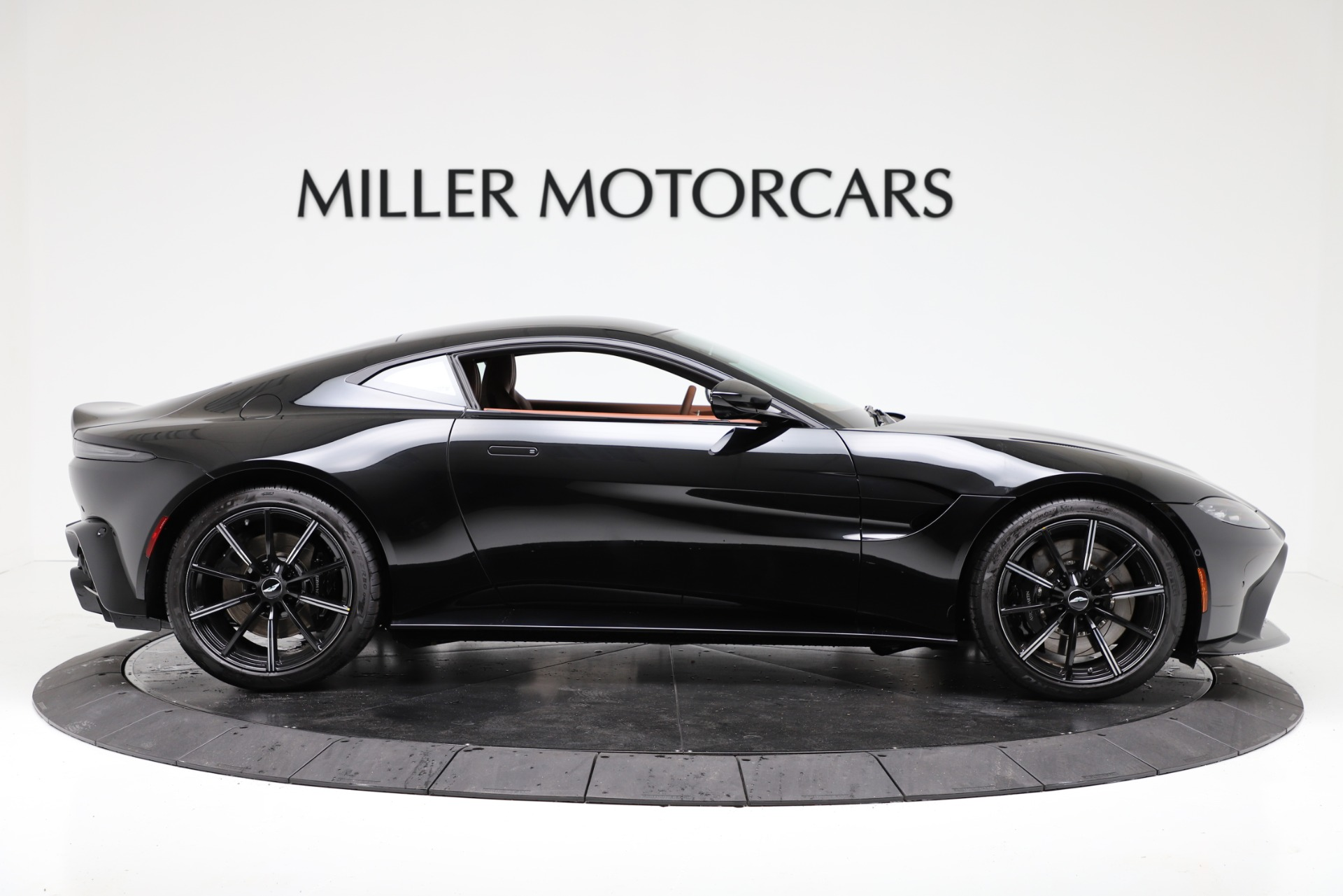 New 2020 Aston Martin Vantage Coupe For Sale In Greenwich, CT 3317_p9
