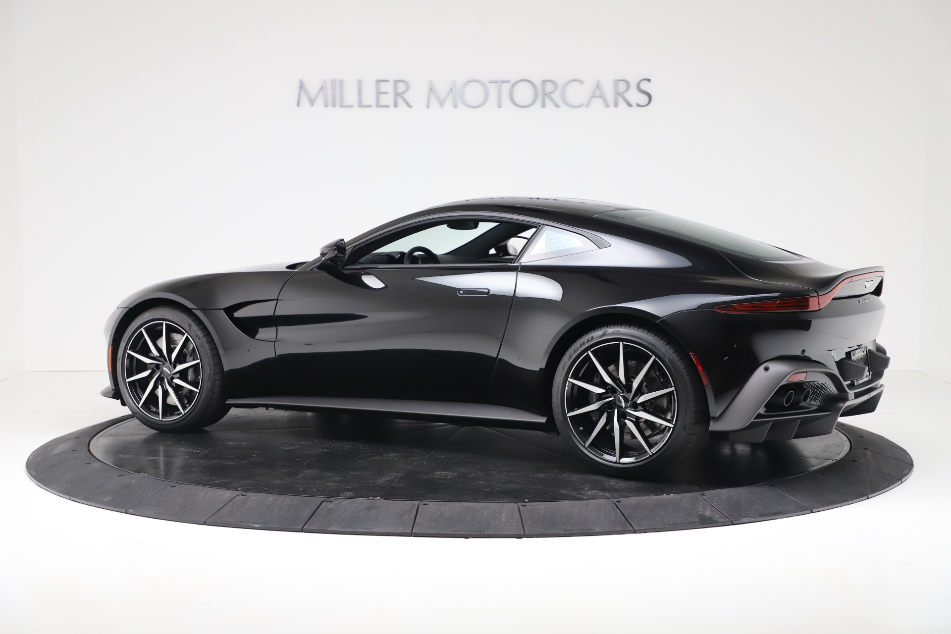 New 2020 Aston Martin Vantage Coupe For Sale In Greenwich, CT 3340_p4