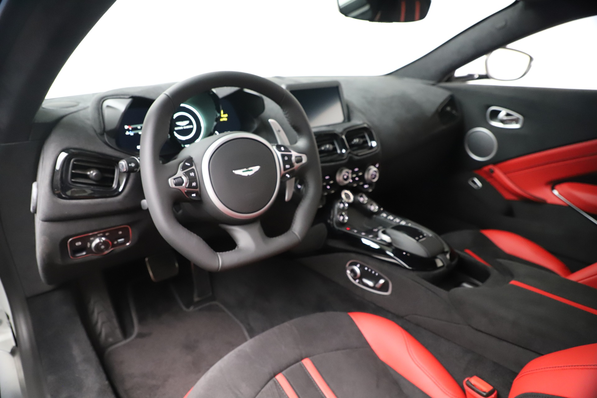 New 2020 Aston Martin Vantage Coupe For Sale In Greenwich, CT 3342_p13