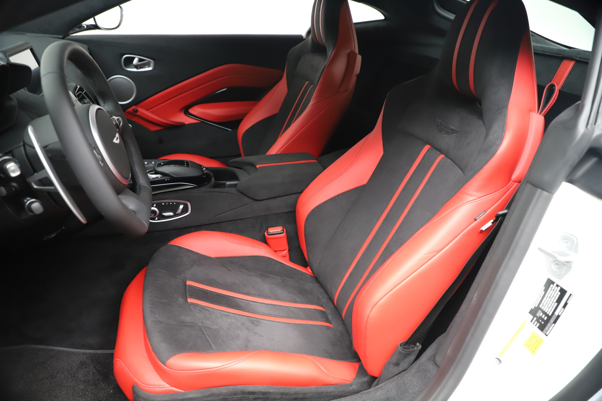 New 2020 Aston Martin Vantage Coupe For Sale In Greenwich, CT 3342_p15