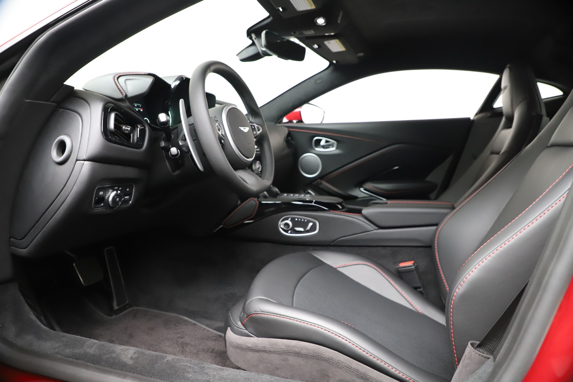 New 2020 Aston Martin Vantage Coupe For Sale In Greenwich, CT 3343_p14
