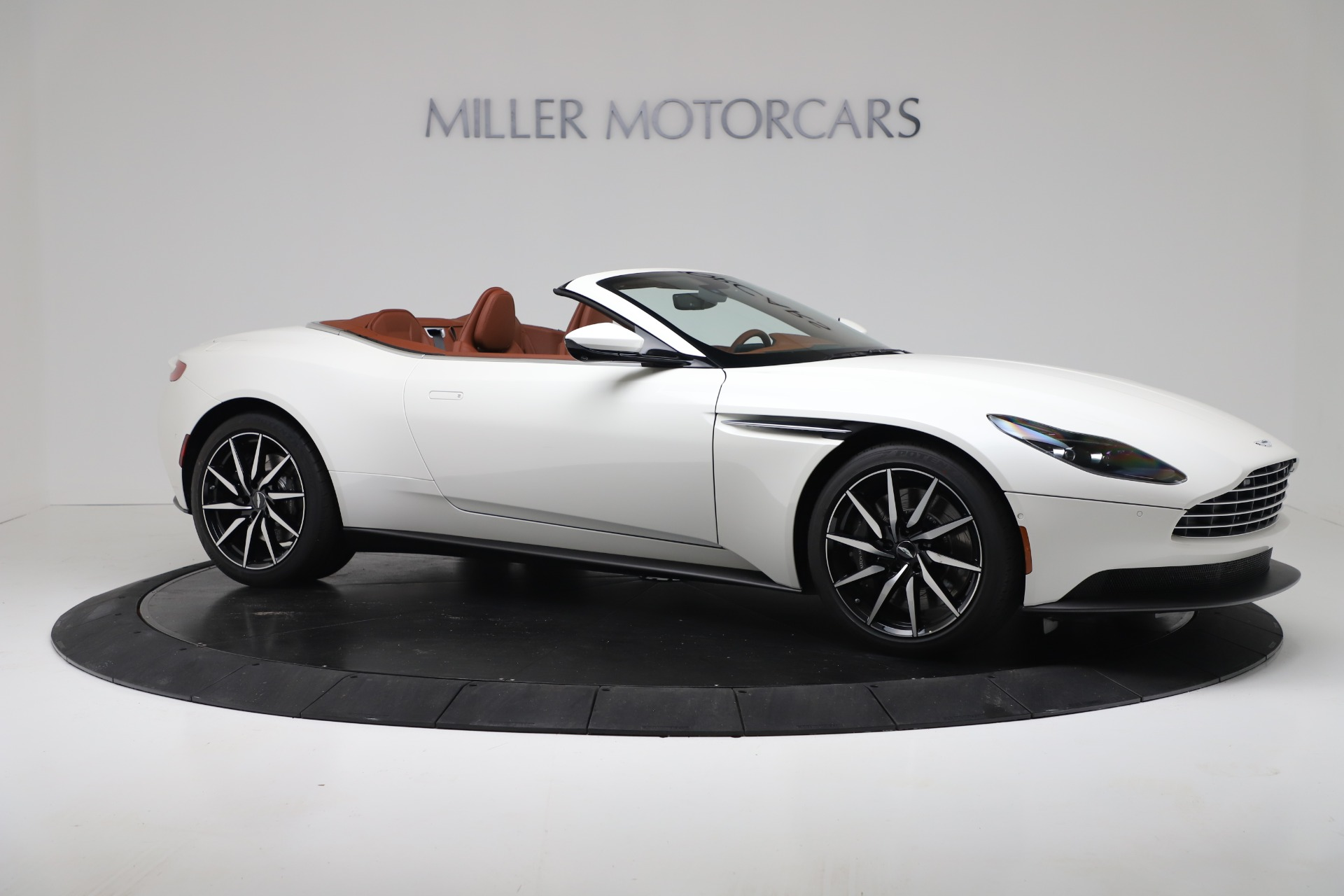 New 2019 Aston Martin DB11 V8 Convertible For Sale In Greenwich, CT 3344_p10