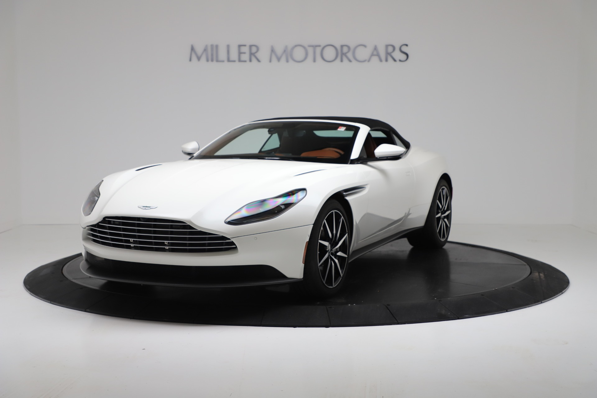 New 2019 Aston Martin DB11 V8 Convertible For Sale In Greenwich, CT 3344_p13