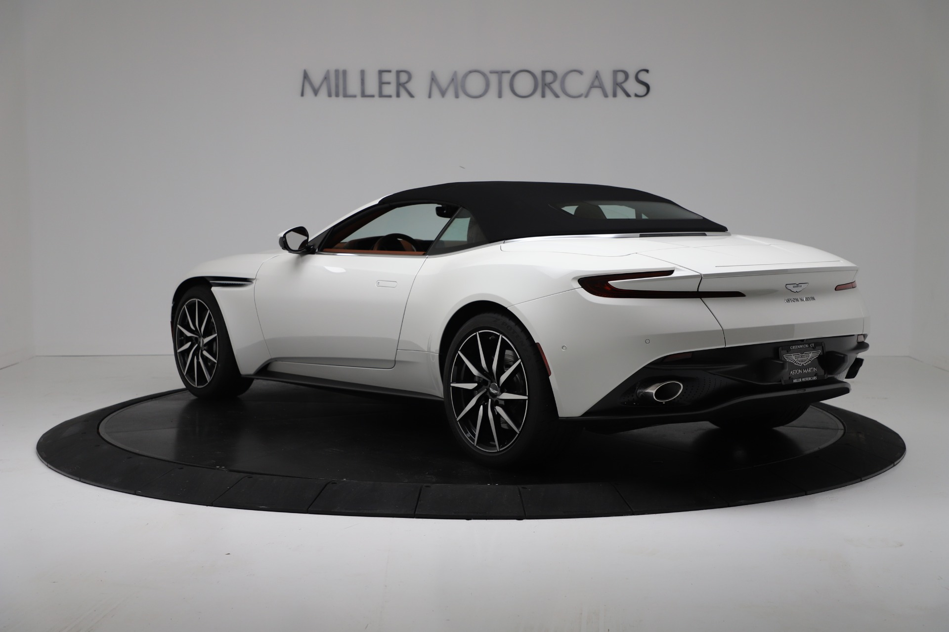 New 2019 Aston Martin DB11 V8 Convertible For Sale In Greenwich, CT 3344_p15