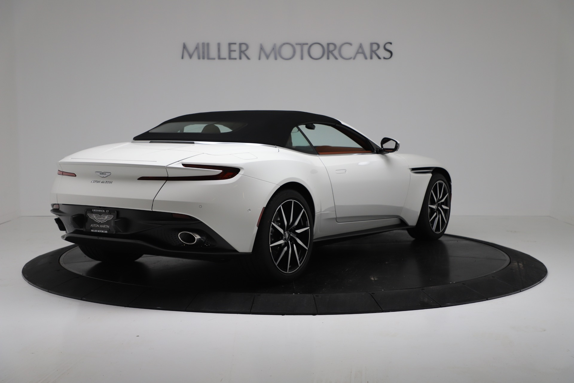 New 2019 Aston Martin DB11 V8 Convertible For Sale In Greenwich, CT 3344_p16