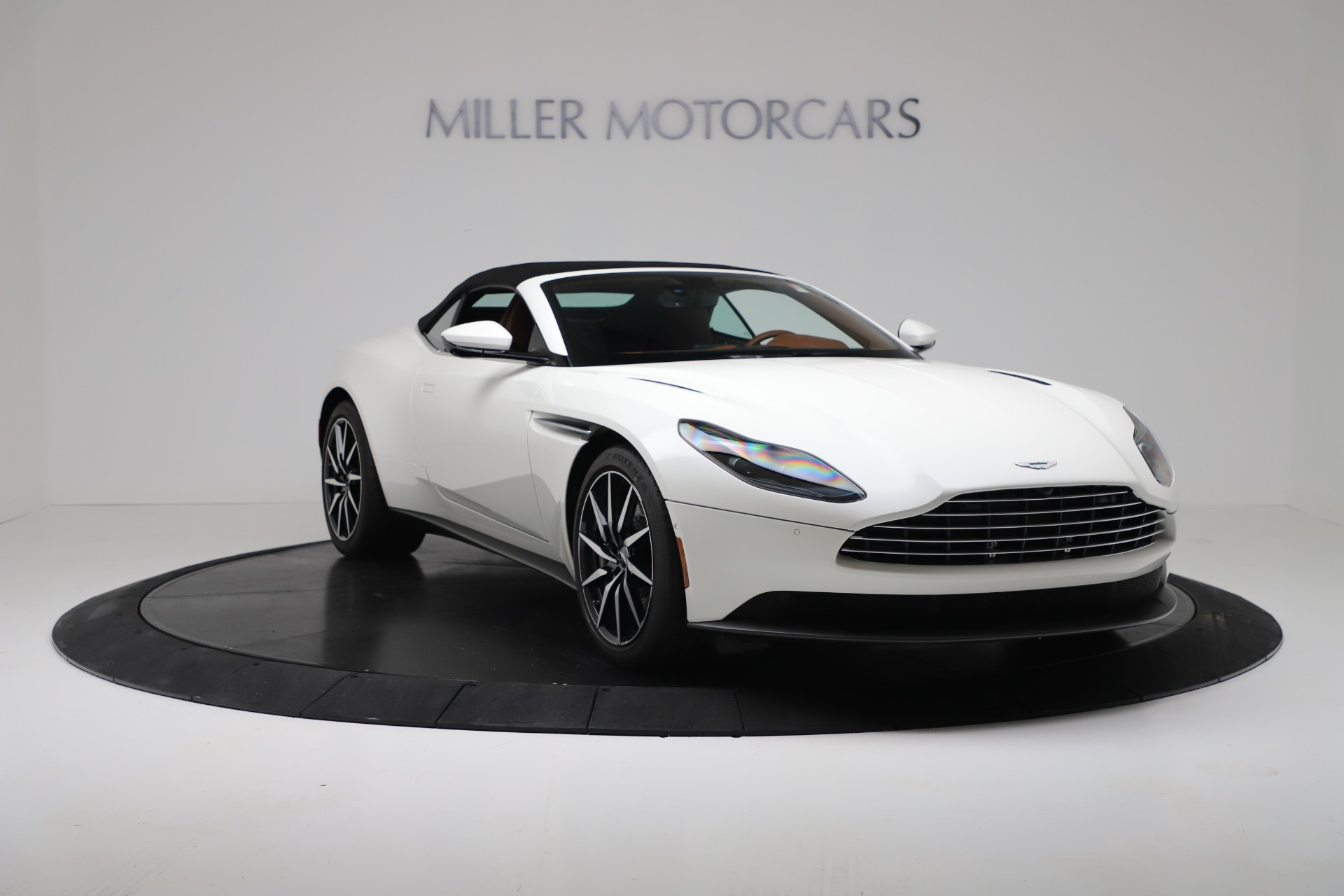 New 2019 Aston Martin DB11 V8 Convertible For Sale In Greenwich, CT 3344_p18