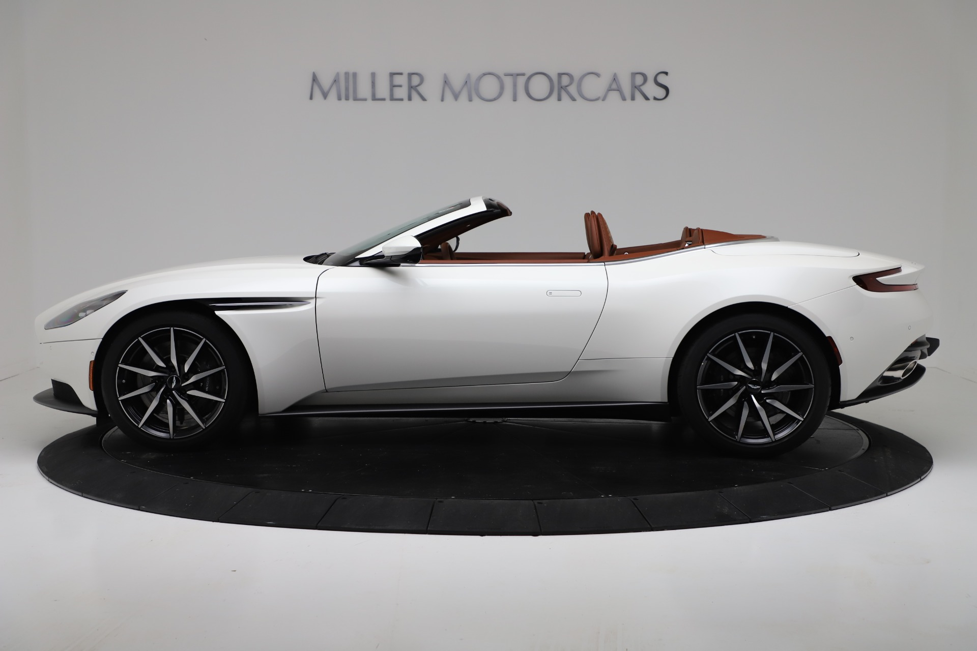 New 2019 Aston Martin DB11 V8 Convertible For Sale In Greenwich, CT 3344_p3