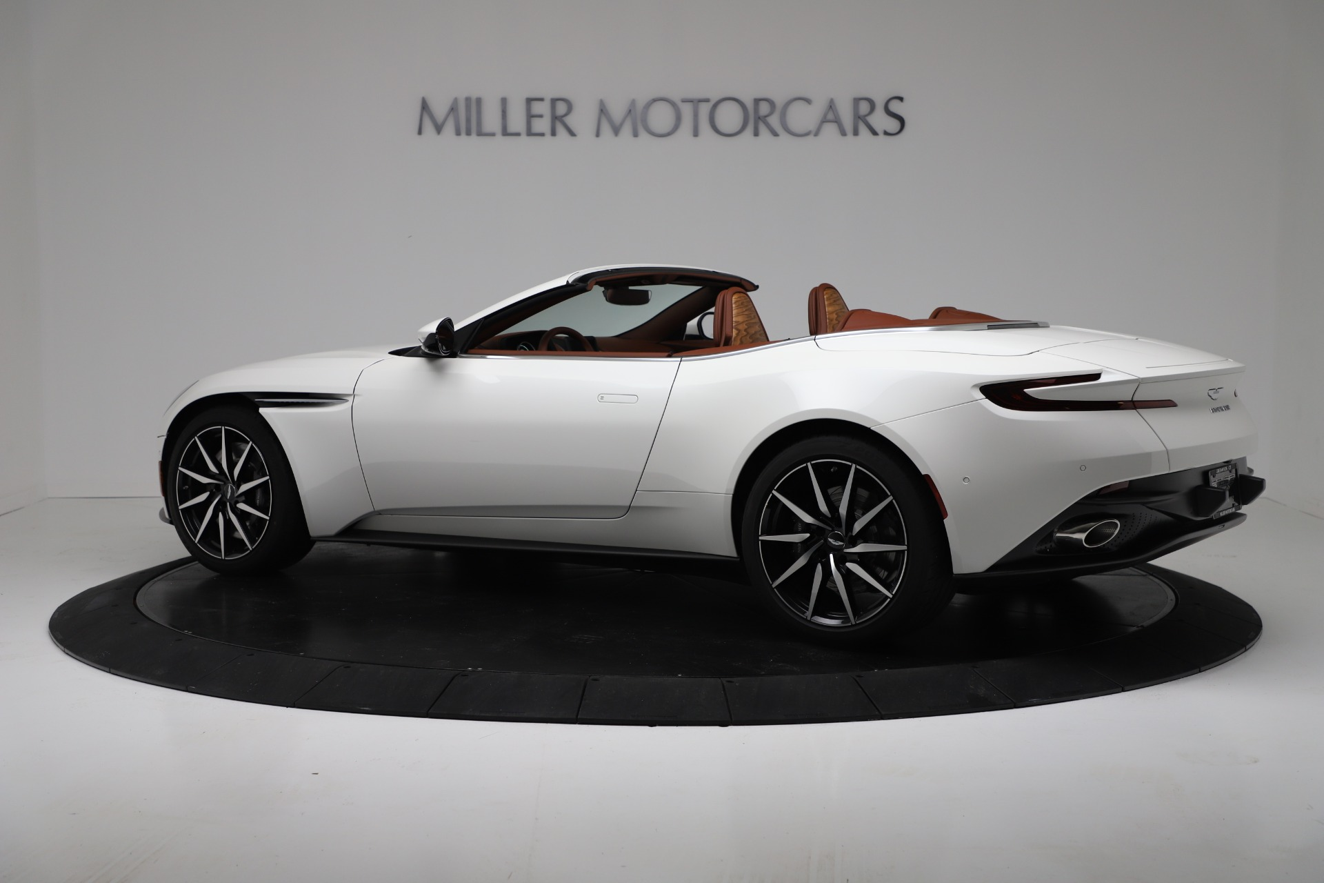 New 2019 Aston Martin DB11 V8 Convertible For Sale In Greenwich, CT 3344_p4