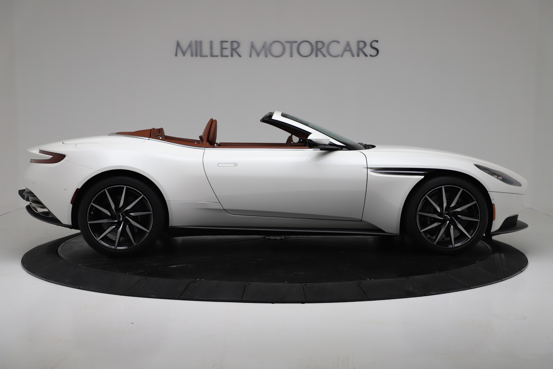 New 2019 Aston Martin DB11 V8 Convertible For Sale In Greenwich, CT 3344_p9