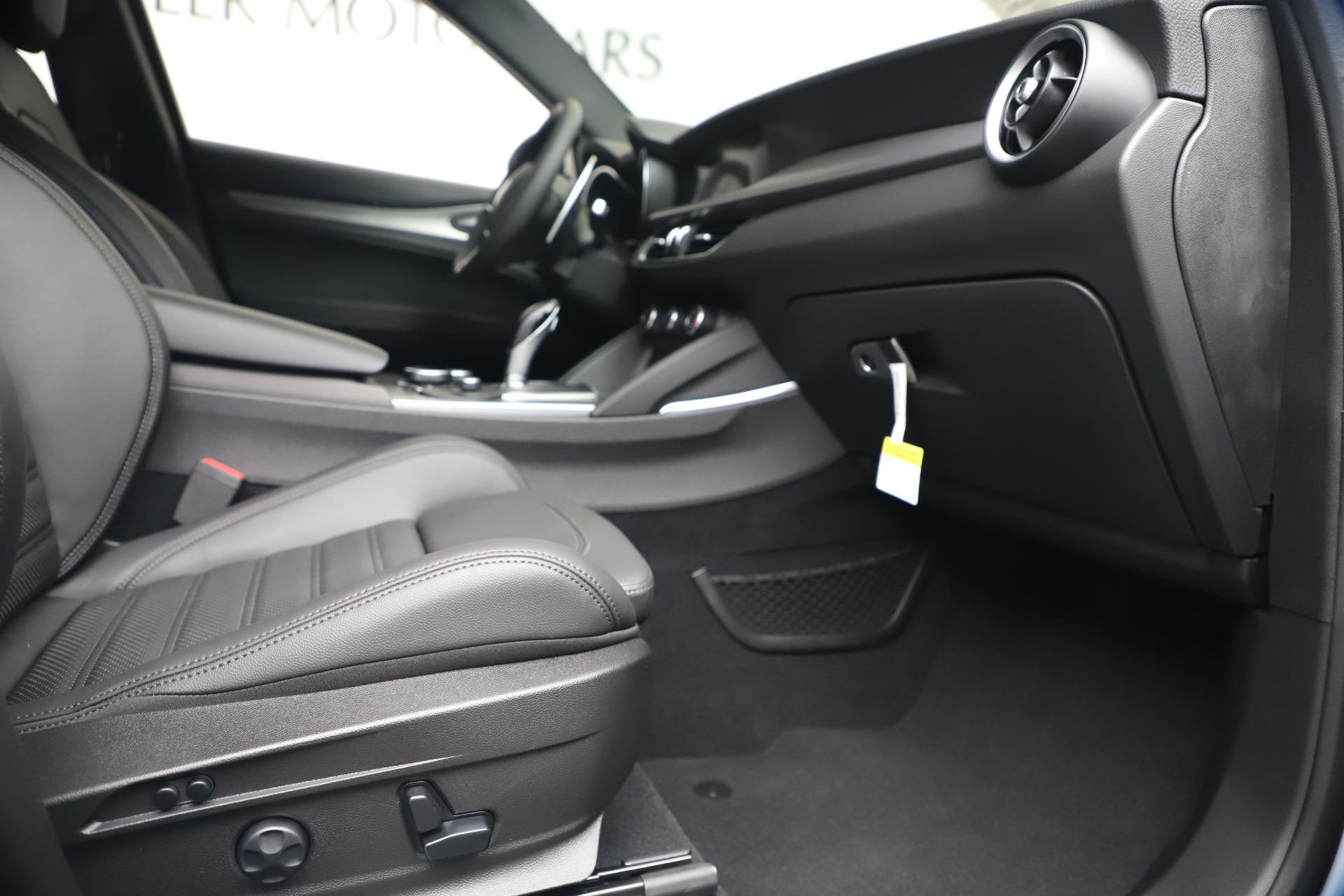 New 2019 Alfa Romeo Stelvio Ti Sport Q4 For Sale In Greenwich, CT 3347_p23