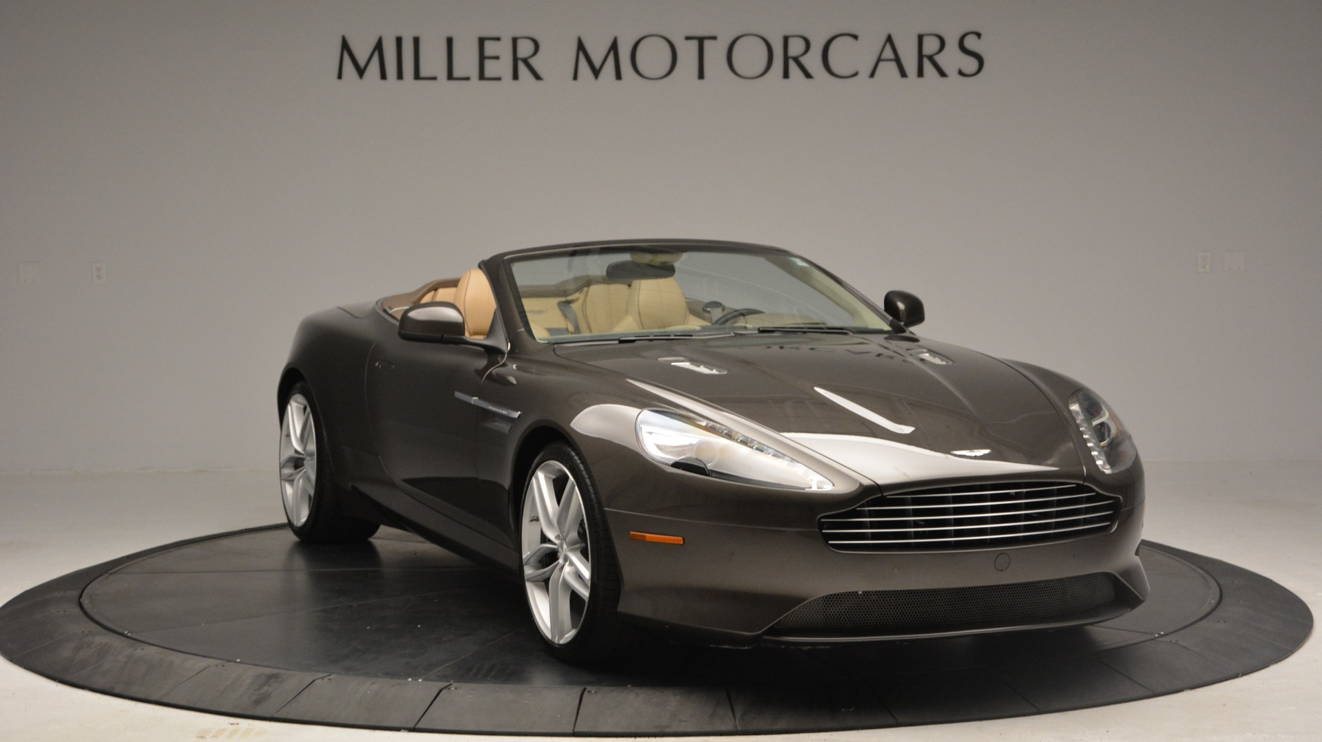 Used 2012 Aston Martin Virage Convertible For Sale In Greenwich, CT 3351_p11