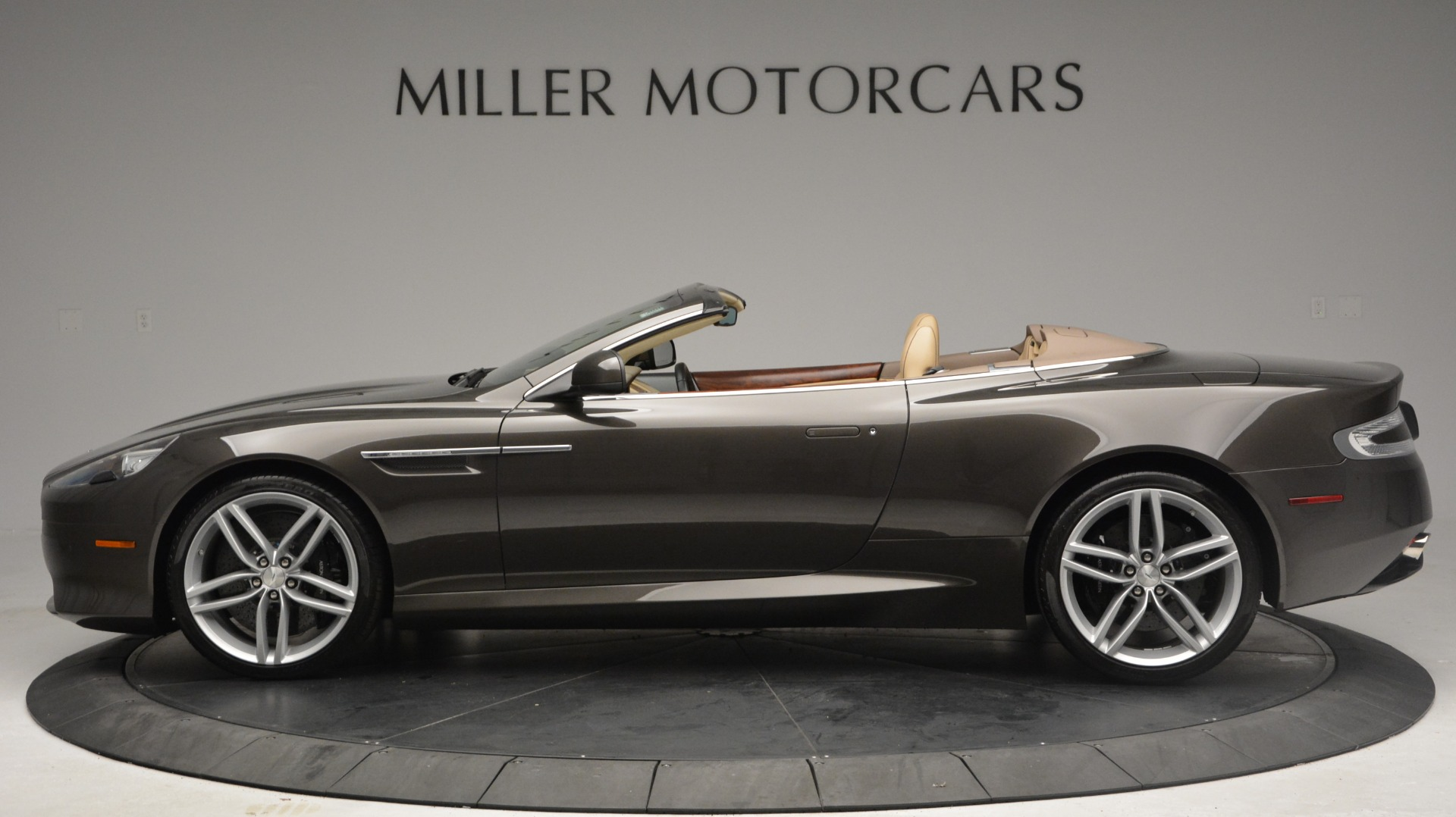 Used 2012 Aston Martin Virage Convertible For Sale In Greenwich, CT 3351_p3