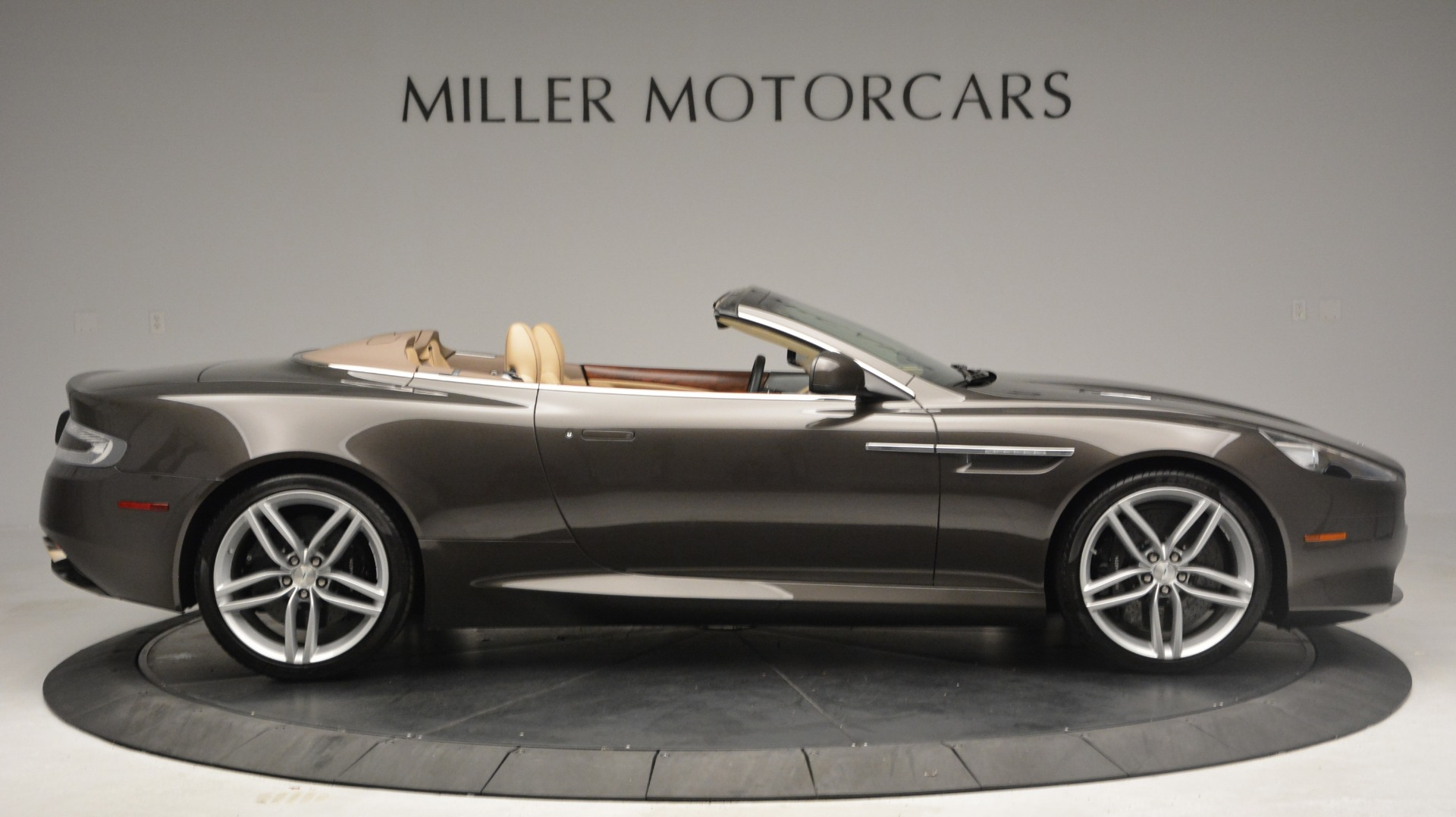 Used 2012 Aston Martin Virage Convertible For Sale In Greenwich, CT 3351_p9