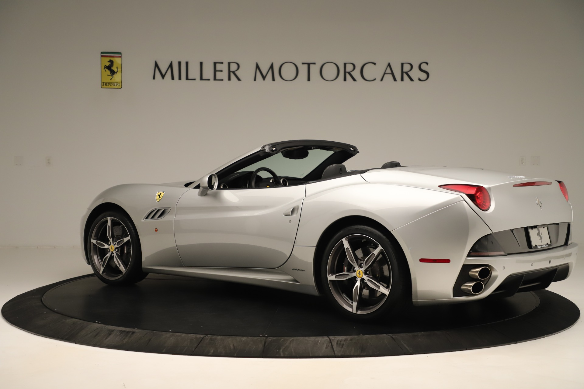 Used 2014 Ferrari California  For Sale In Greenwich, CT 3355_p4