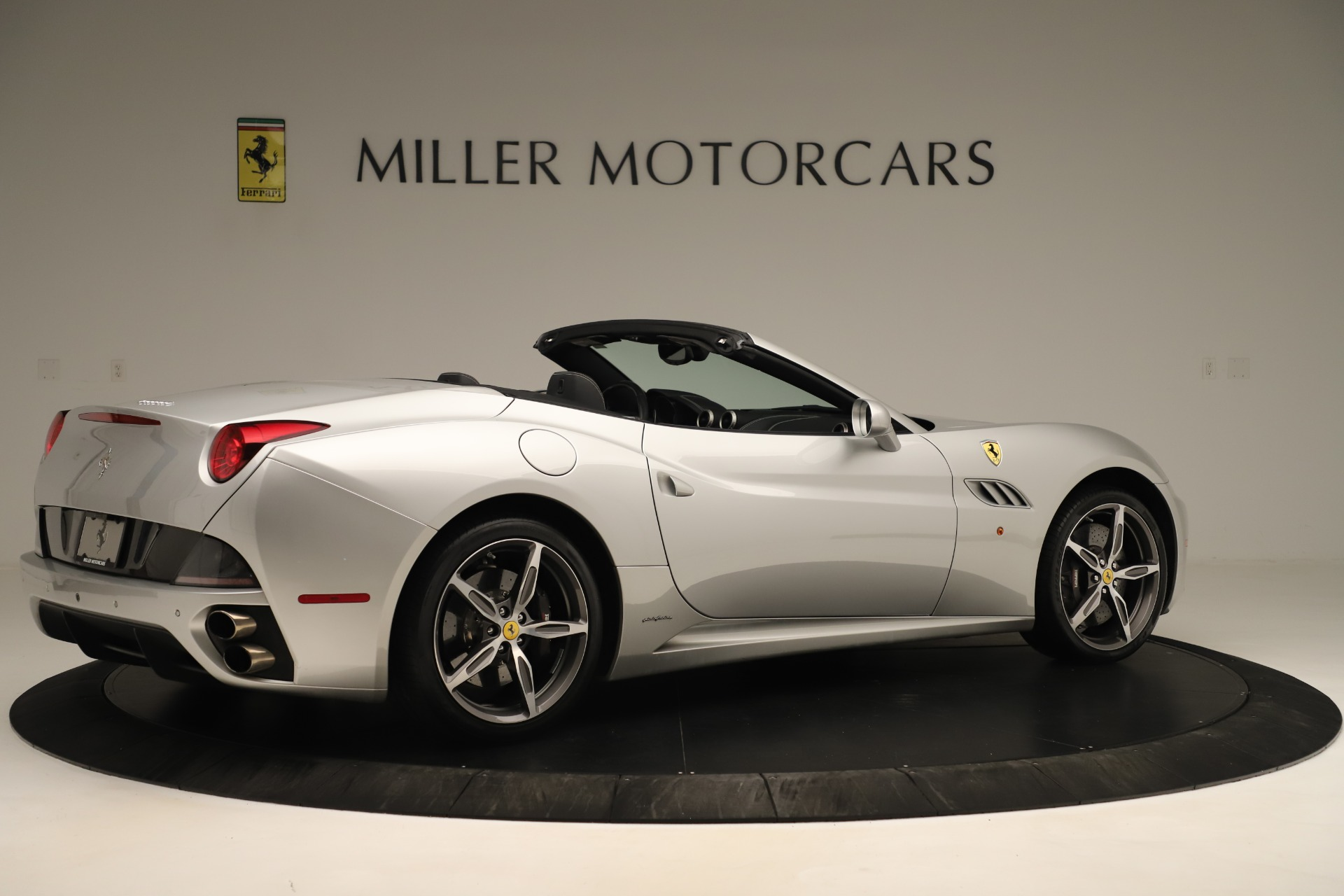 Used 2014 Ferrari California  For Sale In Greenwich, CT 3355_p8