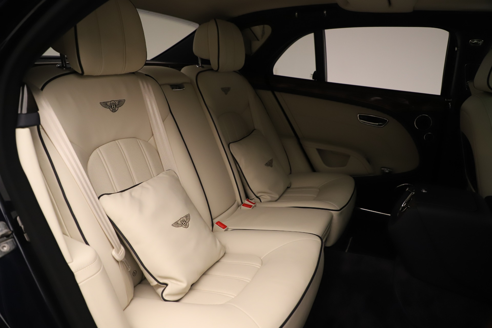 Used 2016 Bentley Mulsanne  For Sale In Greenwich, CT 3358_p30