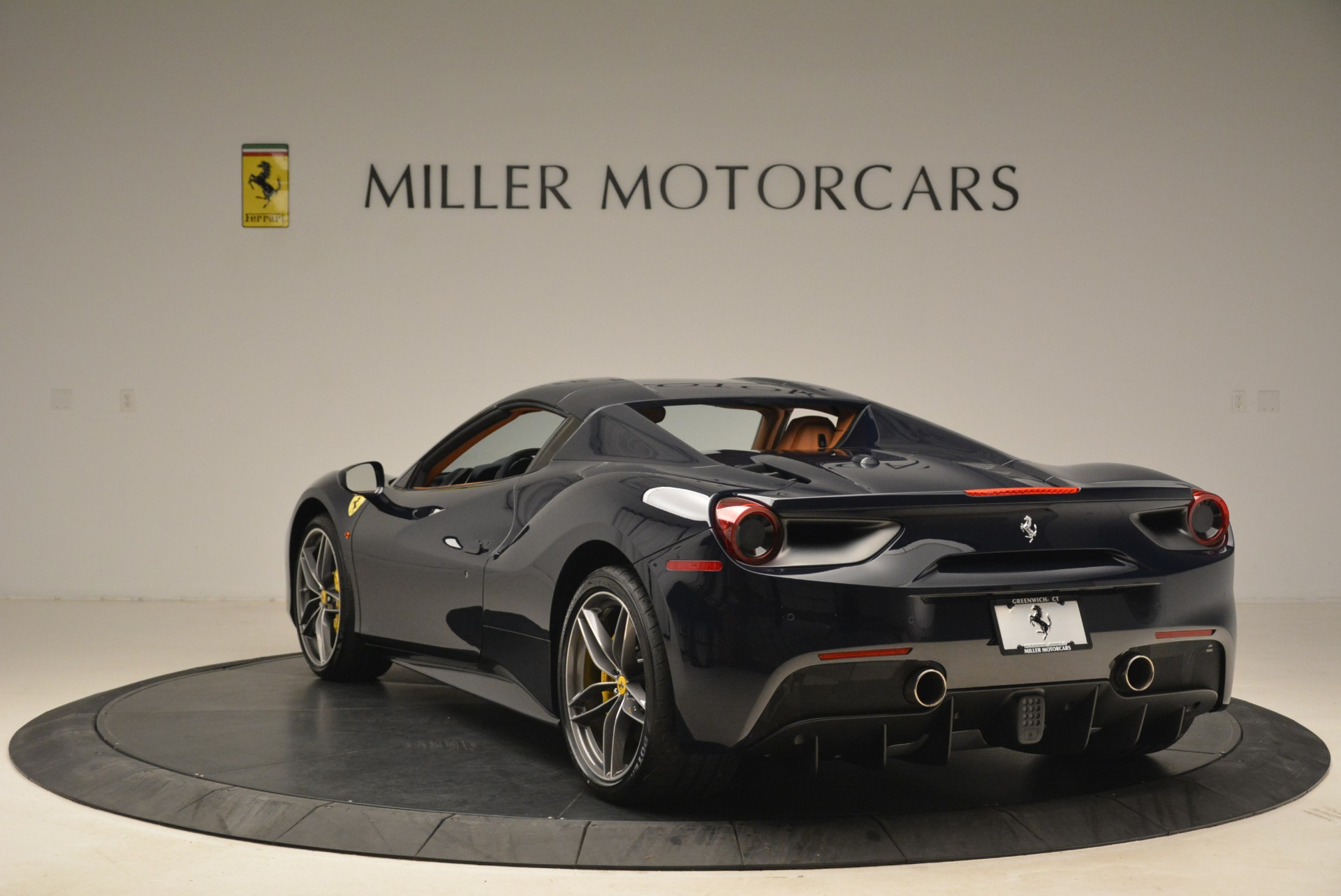Used 2018 Ferrari 488 Spider  For Sale In Greenwich, CT 3371_p17
