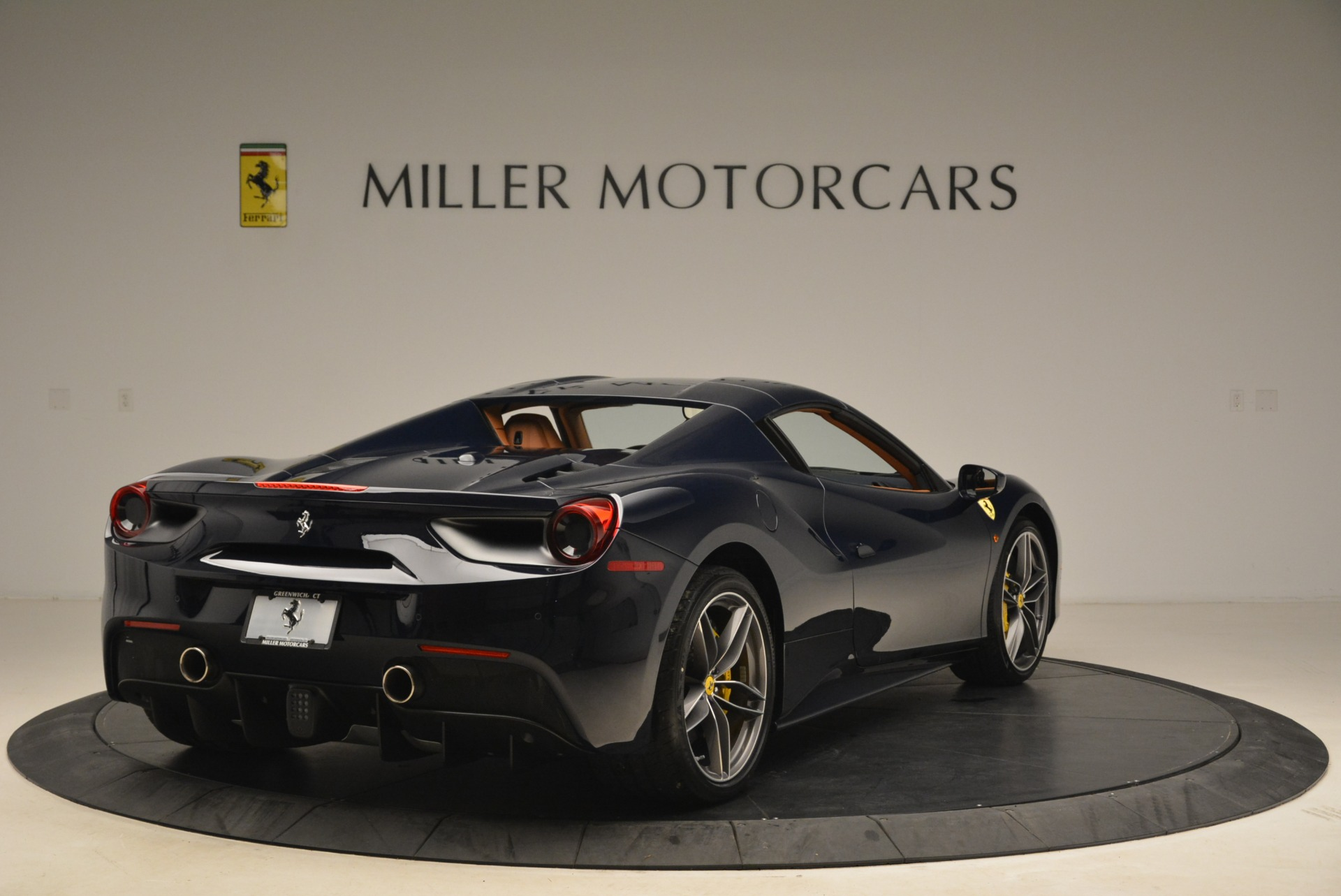 Used 2018 Ferrari 488 Spider  For Sale In Greenwich, CT 3371_p19