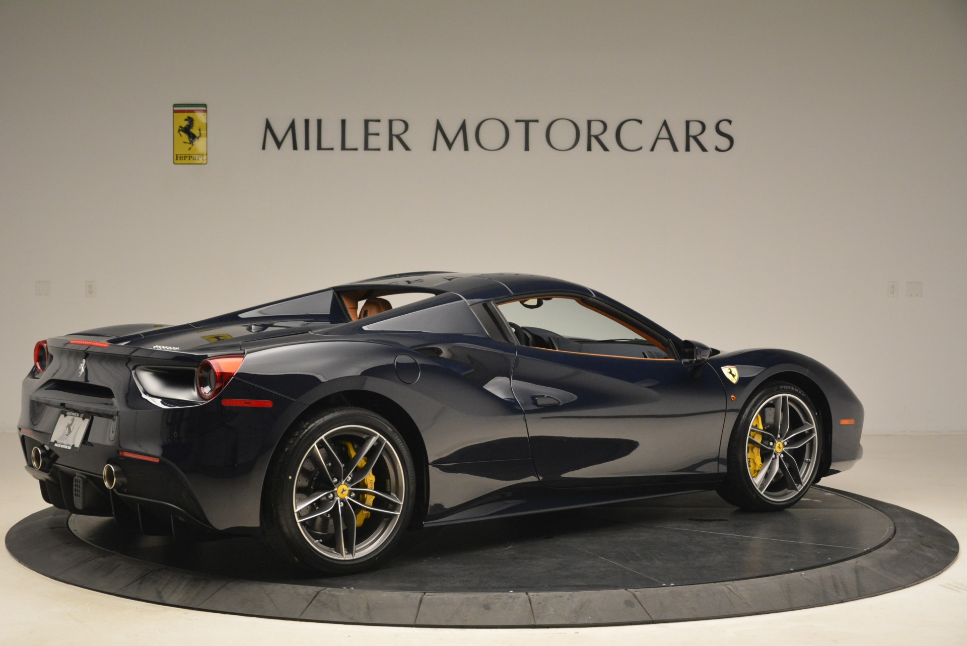 Used 2018 Ferrari 488 Spider  For Sale In Greenwich, CT 3371_p20