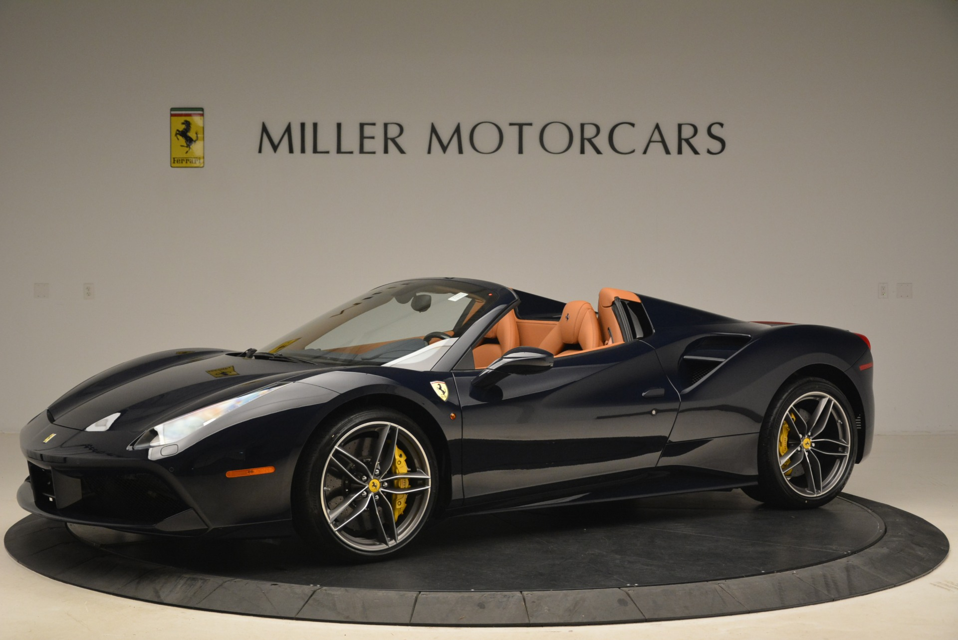 Used 2018 Ferrari 488 Spider  For Sale In Greenwich, CT 3371_p2