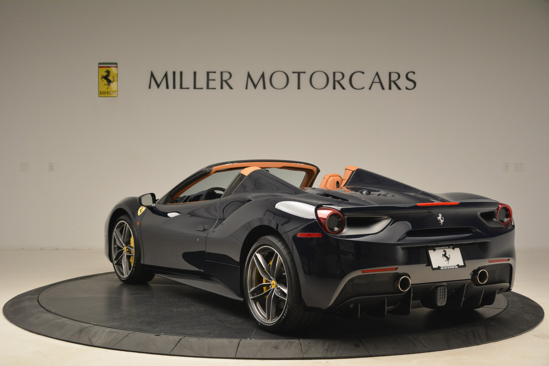 Used 2018 Ferrari 488 Spider  For Sale In Greenwich, CT 3371_p5