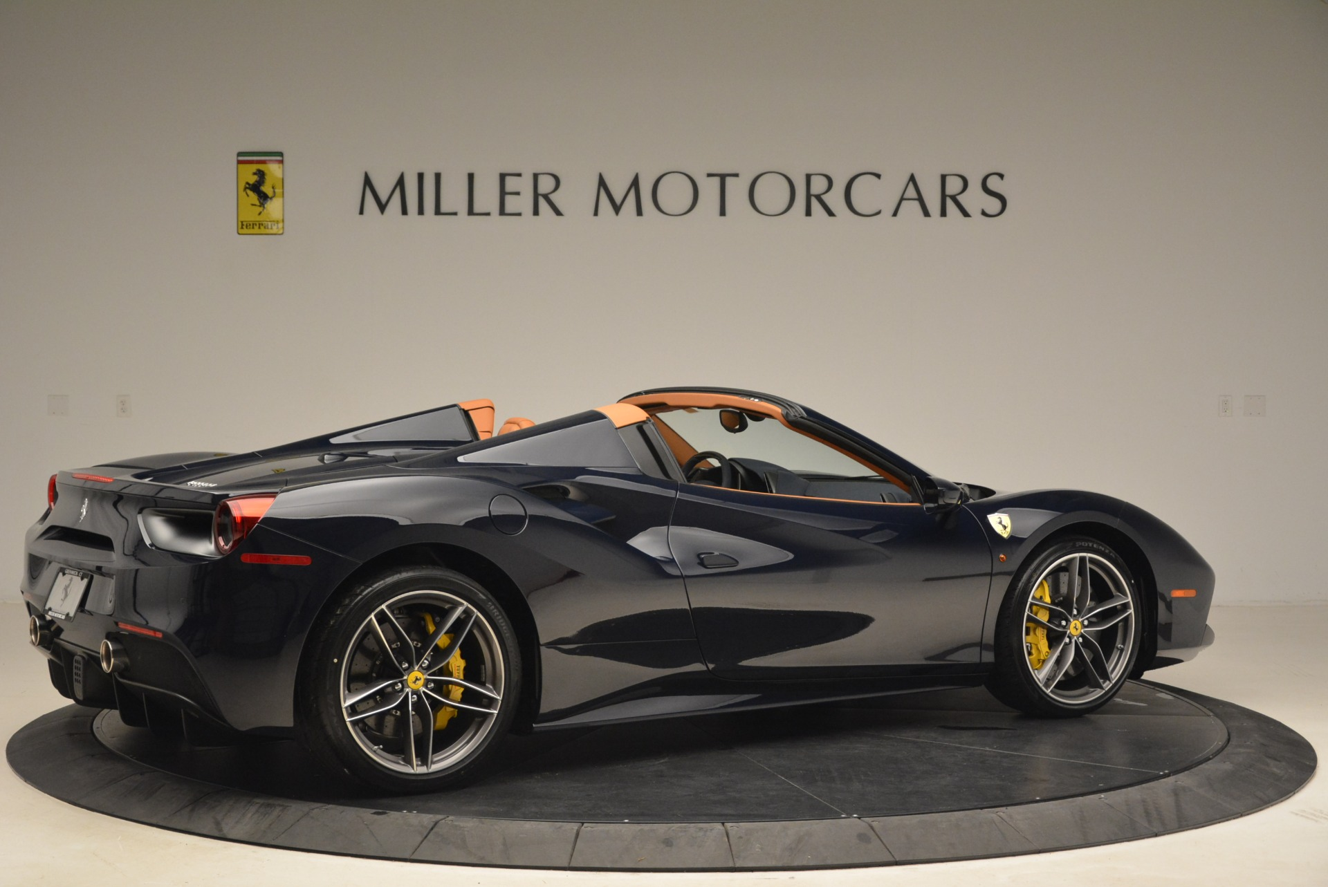 Used 2018 Ferrari 488 Spider  For Sale In Greenwich, CT 3371_p8