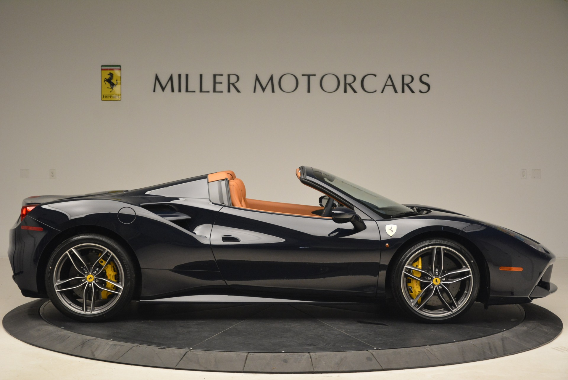 Used 2018 Ferrari 488 Spider  For Sale In Greenwich, CT 3371_p9