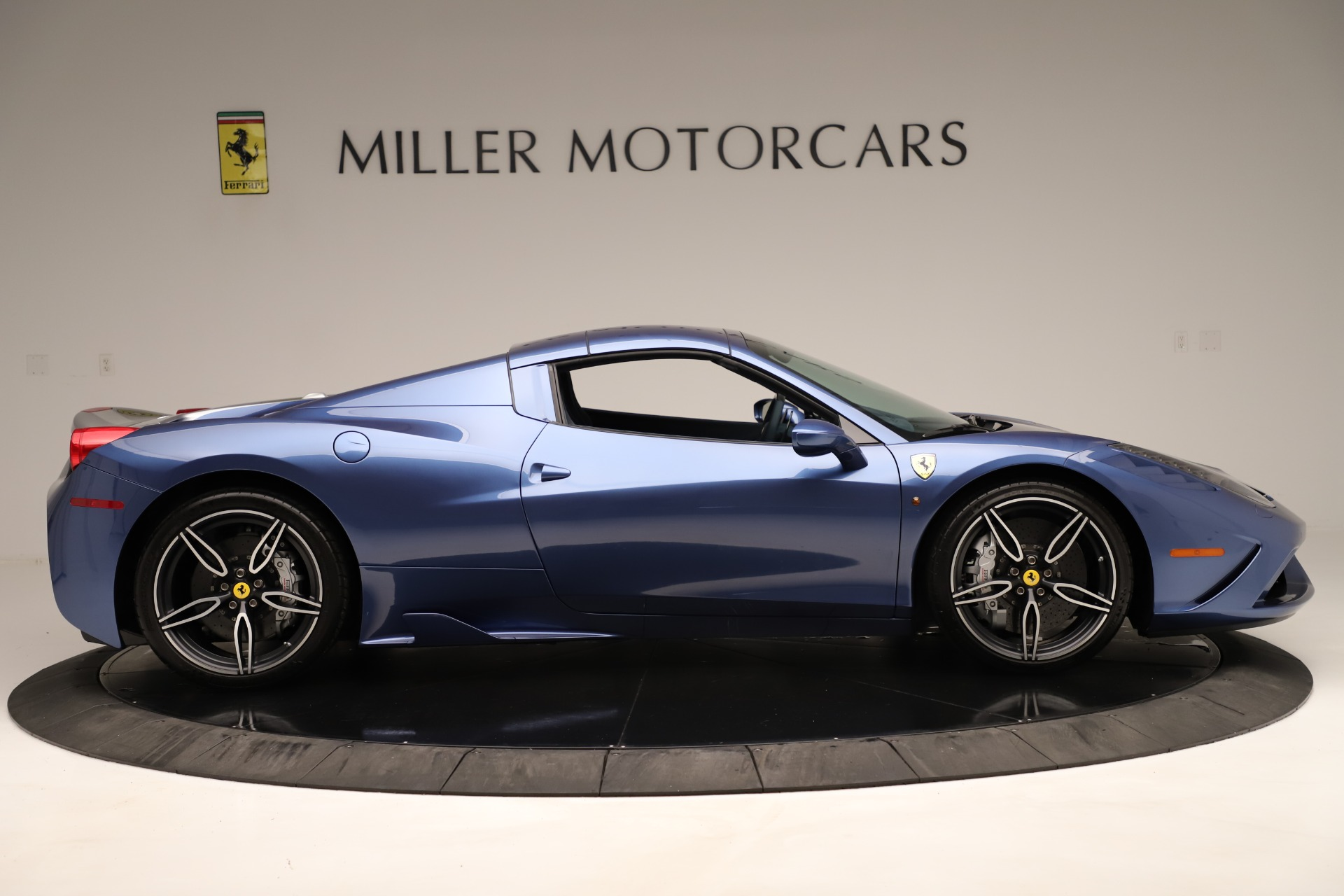 Used 2015 Ferrari 458 Speciale Aperta  For Sale In Greenwich, CT 3372_p18