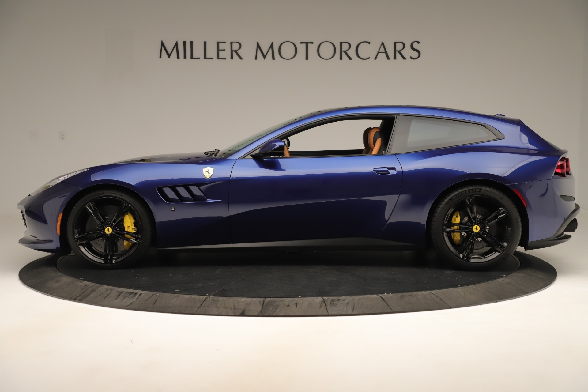 Used 2019 Ferrari GTC4Lusso  For Sale In Greenwich, CT 3376_p3