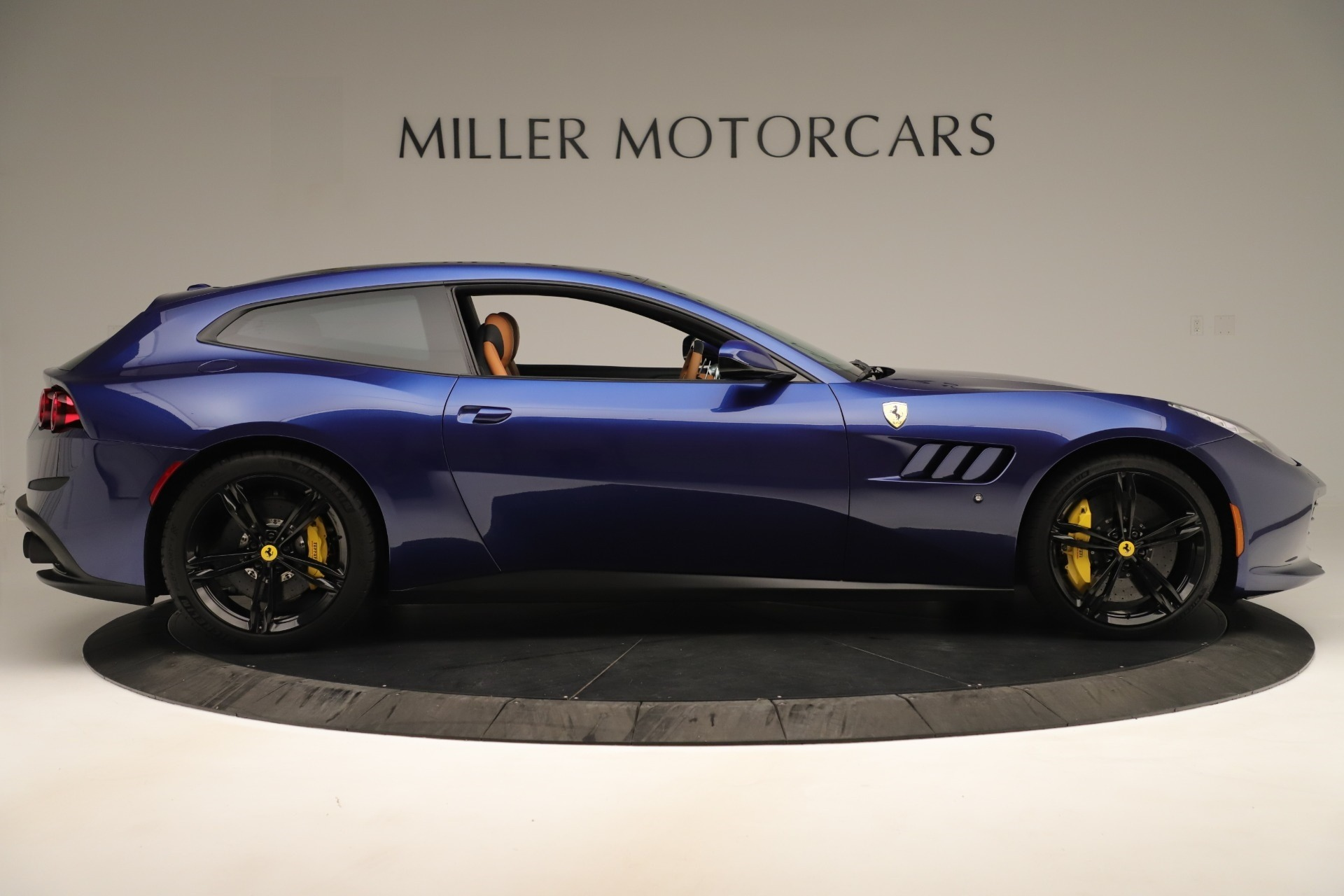Used 2019 Ferrari GTC4Lusso  For Sale In Greenwich, CT 3376_p9