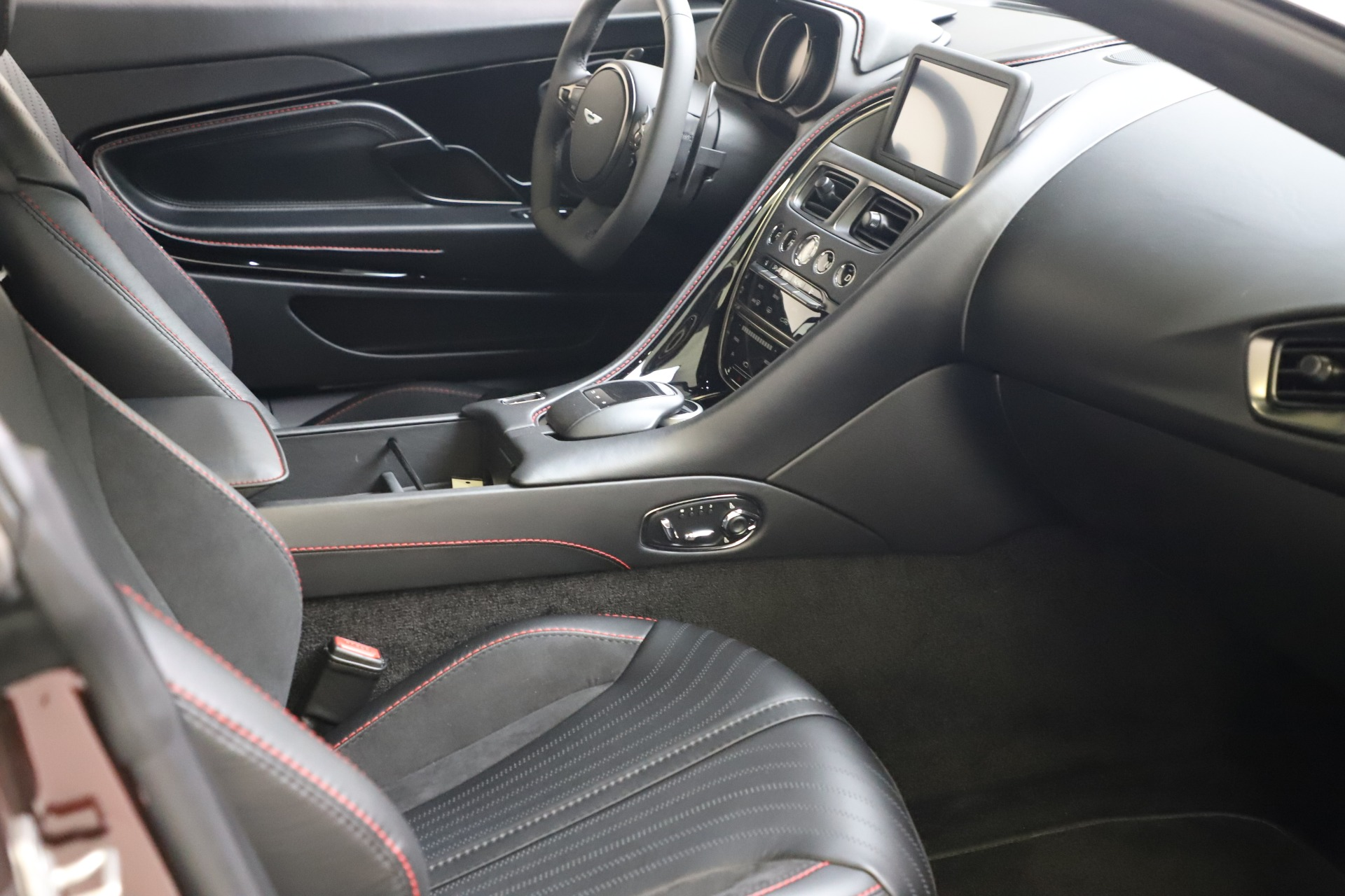 New 2019 Aston Martin DB11 V12 AMR For Sale In Greenwich, CT 3379_p17