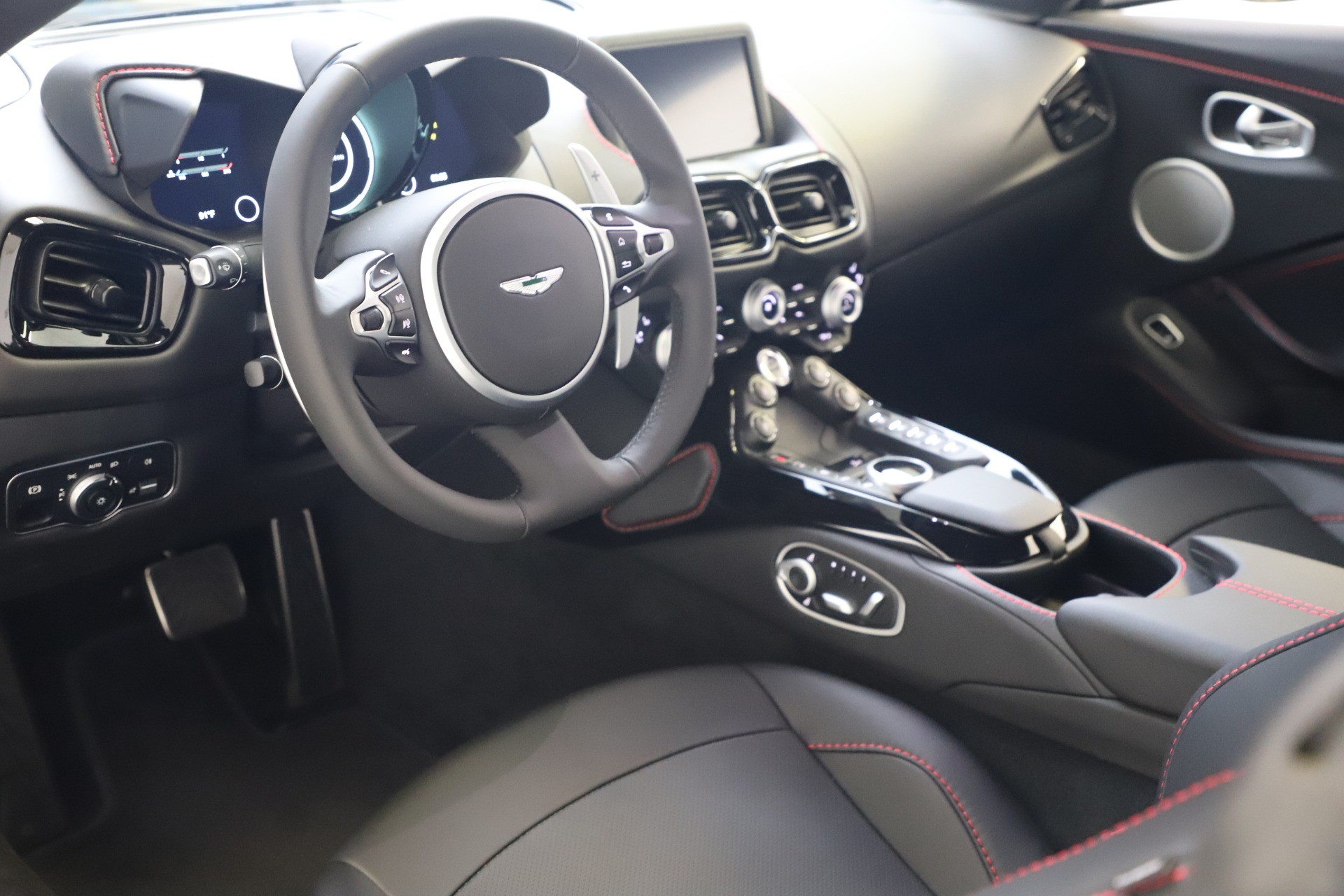 New 2020 Aston Martin Vantage V8 For Sale In Greenwich, CT 3384_p11