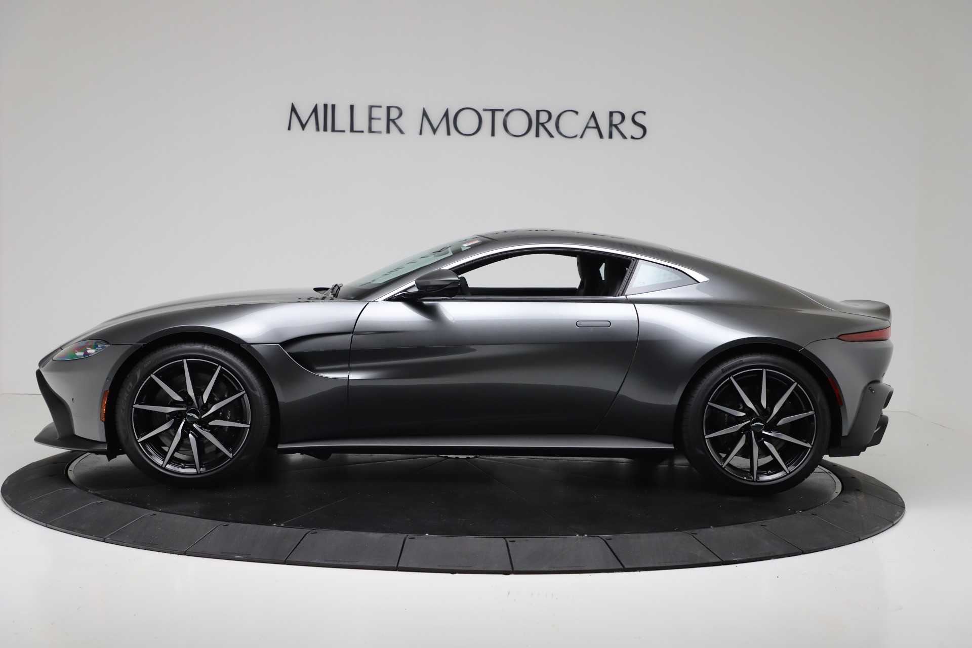 New 2020 Aston Martin Vantage Coupe For Sale In Greenwich, CT 3384_p2