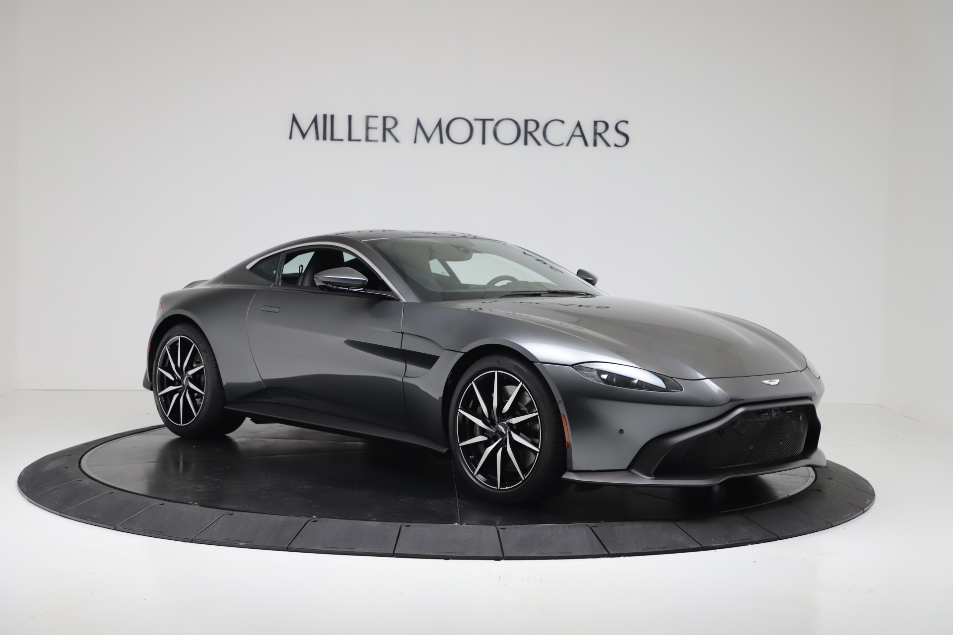 New 2020 Aston Martin Vantage Coupe For Sale In Greenwich, CT 3384_p9