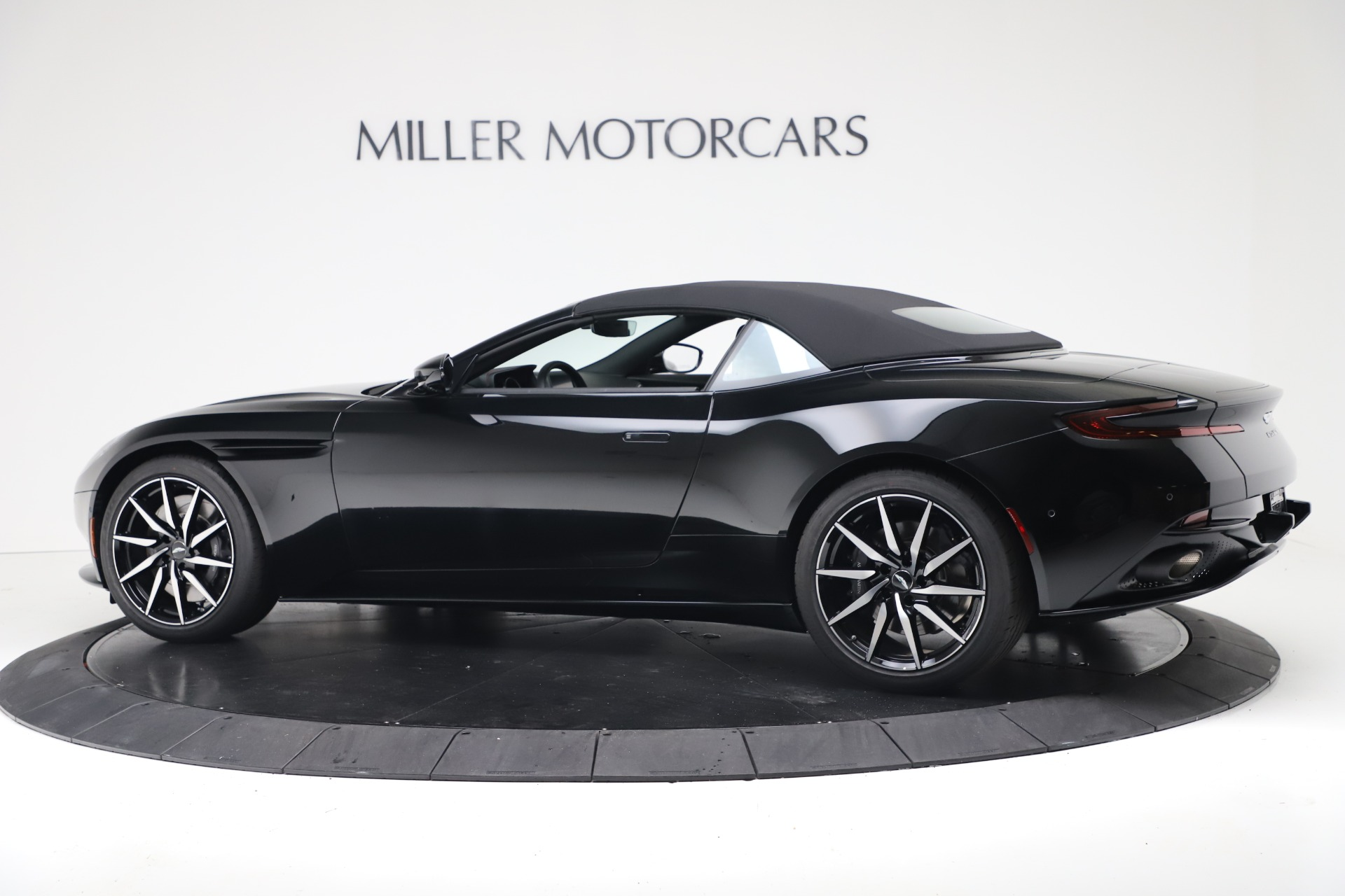 New 2020 Aston Martin DB11 Convertible For Sale In Greenwich, CT 3385_p15