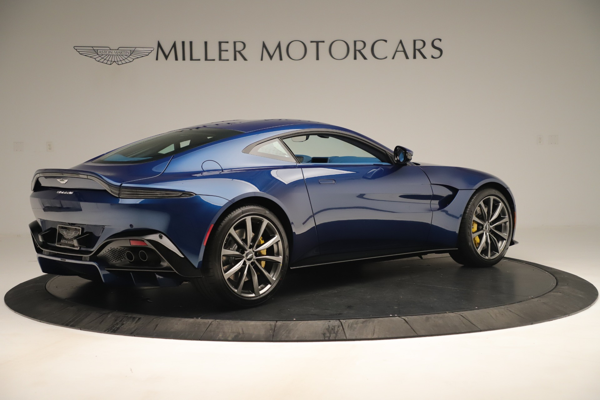 New 2020 Aston Martin Vantage Coupe For Sale In Greenwich, CT 3393_p8