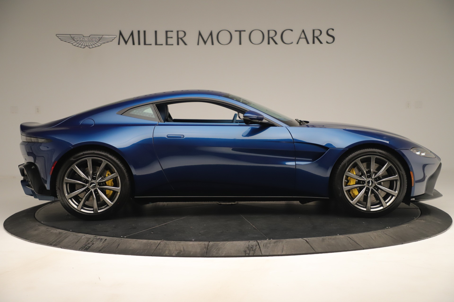 New 2020 Aston Martin Vantage Coupe For Sale In Greenwich, CT 3393_p9